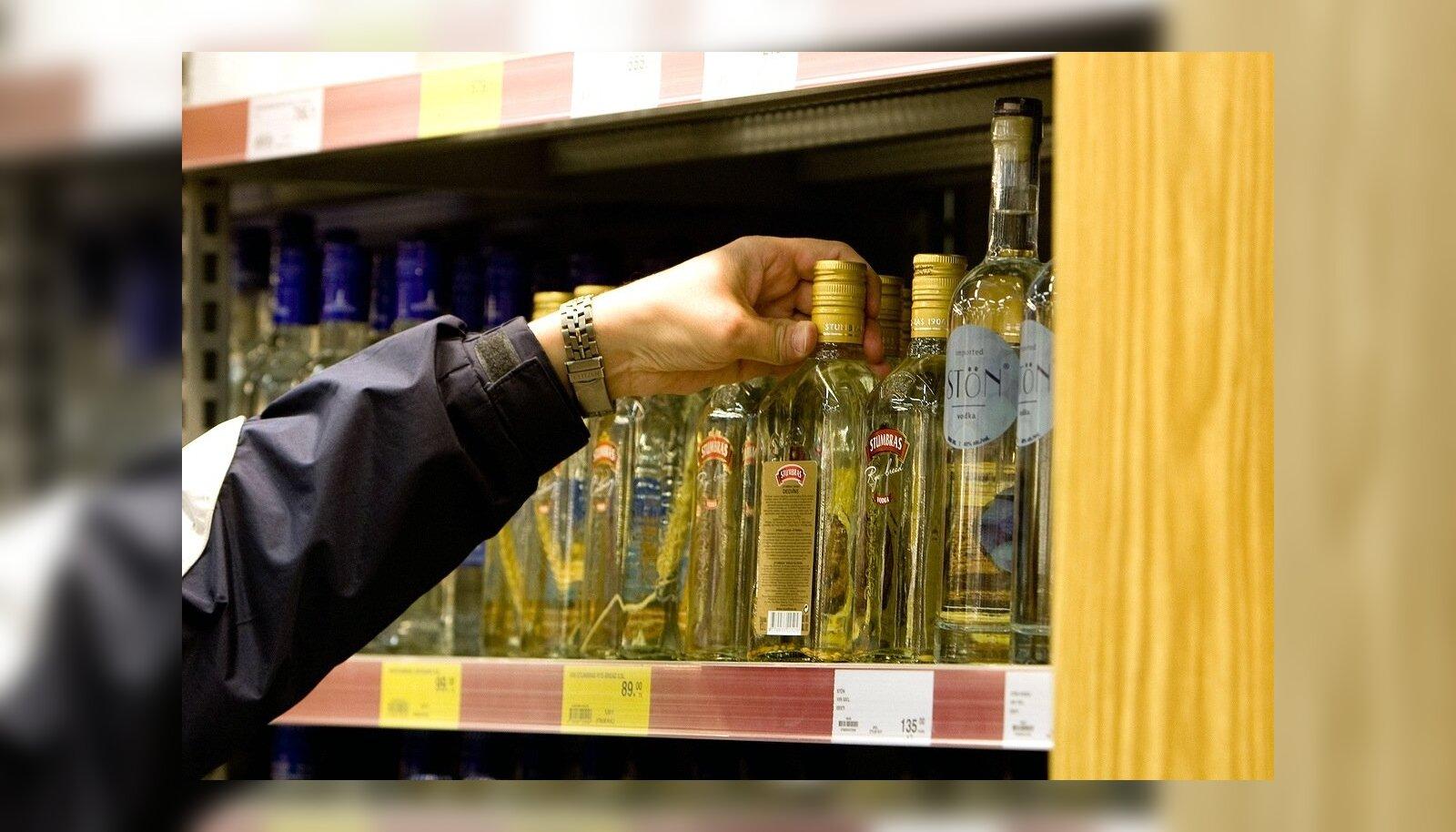 Aktsiisi langetus suurendas kange alkoholi müüki