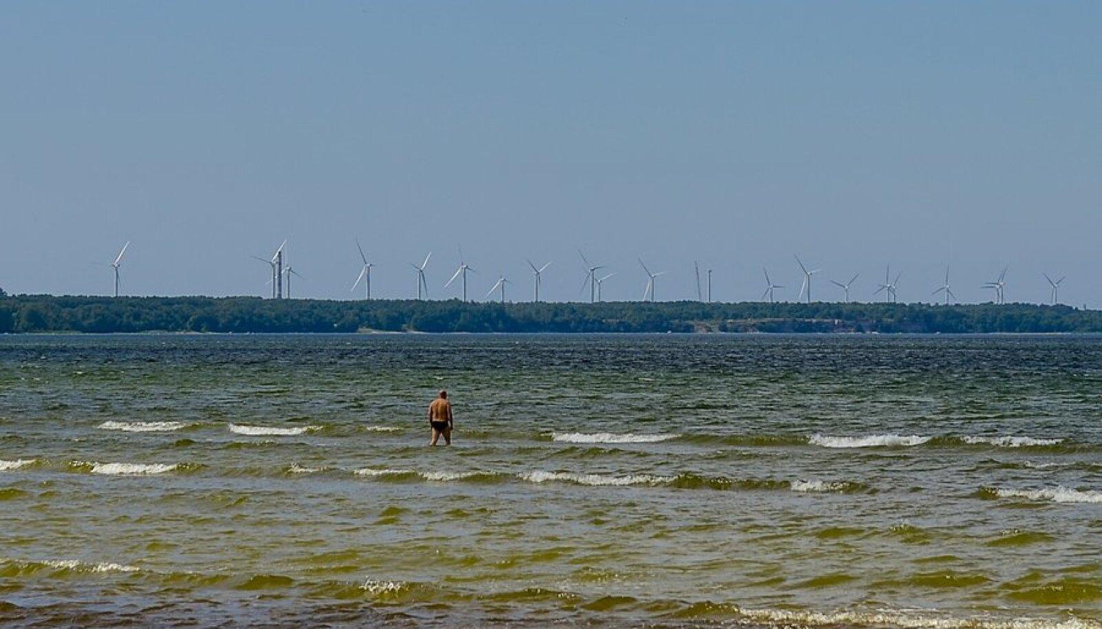 Pakri tuulepark ja meri