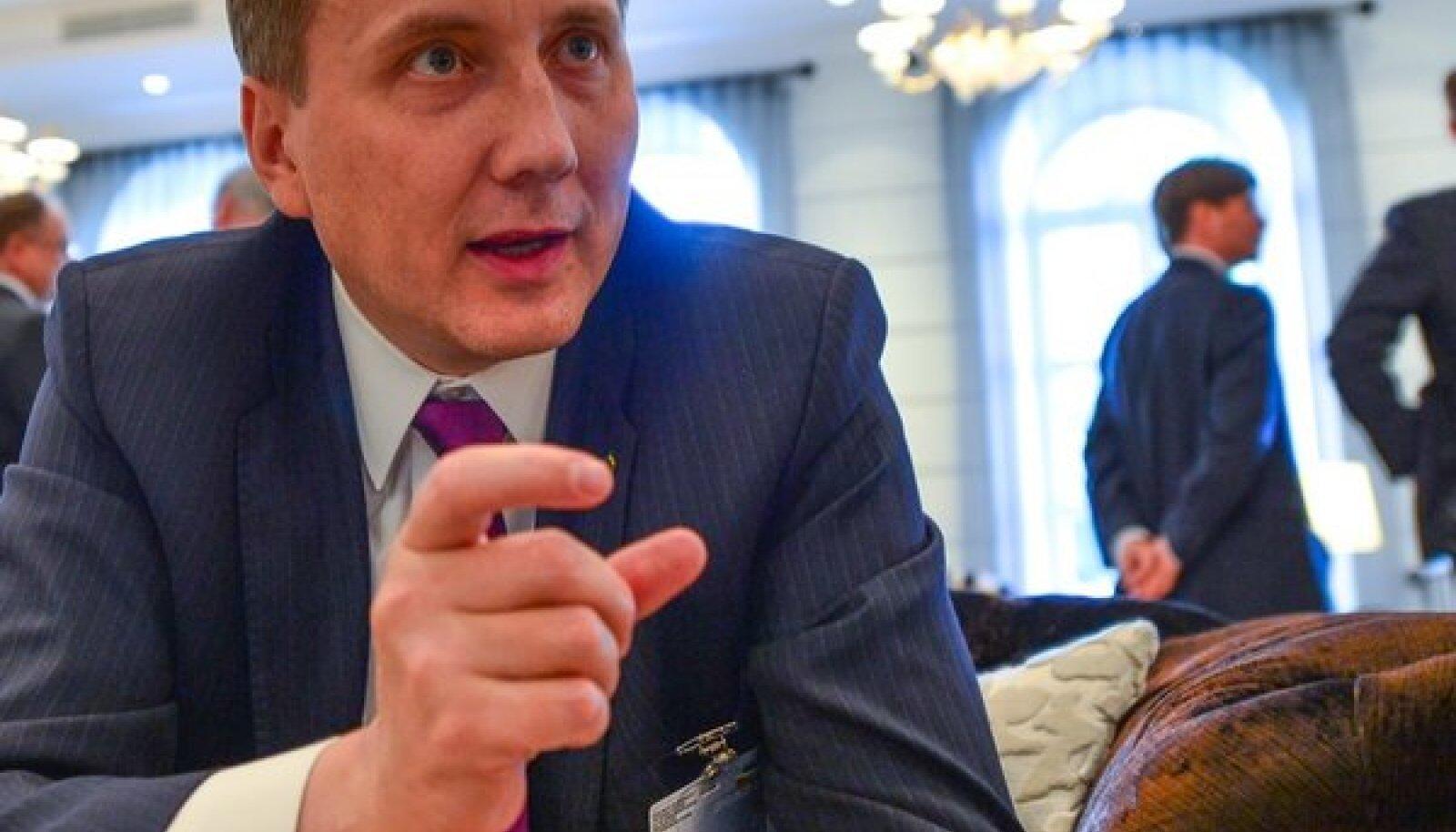 Sandor Liive kinnitas eile Vilniuses, et põlevkiviõli tootmine on endiselt arengusuund number üks.