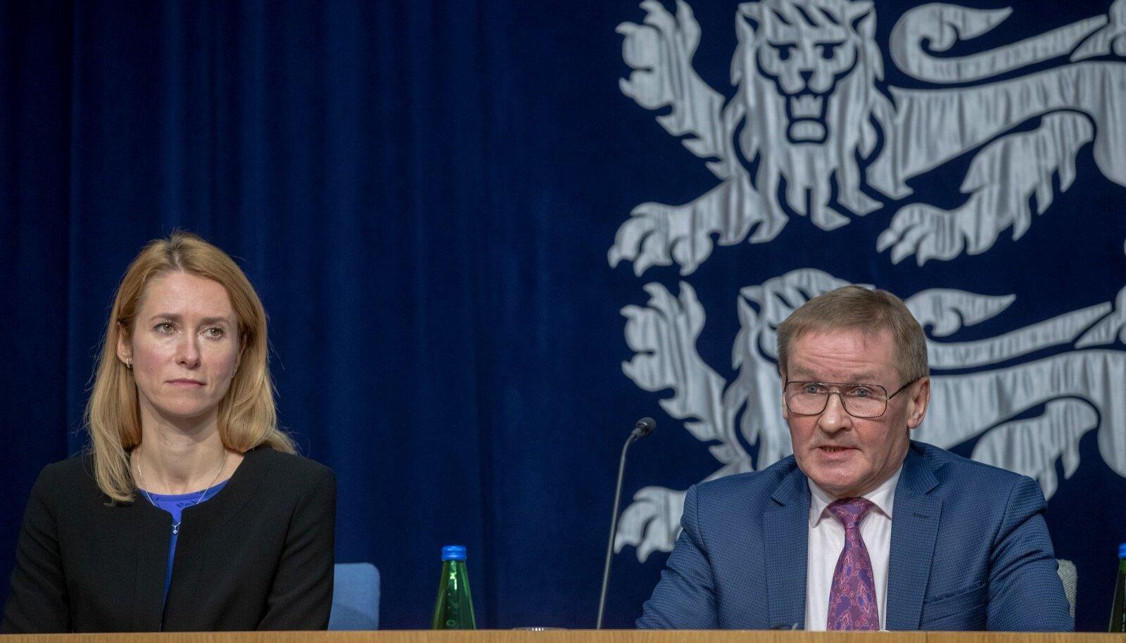 Peaminister Kaja Kallas ja riigihalduse minister Jaak Aab.