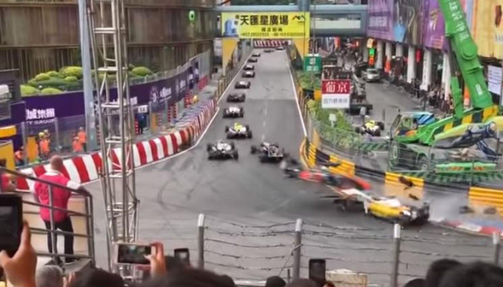 Sophia Flörschi avarii Macau GP-l