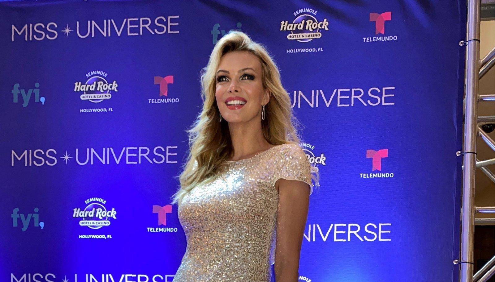 Eha Urbsalu Miss Universumi finaalvõisltusel 16. mail 2021, mil ta tähistas oma 50 aasta juubelit.