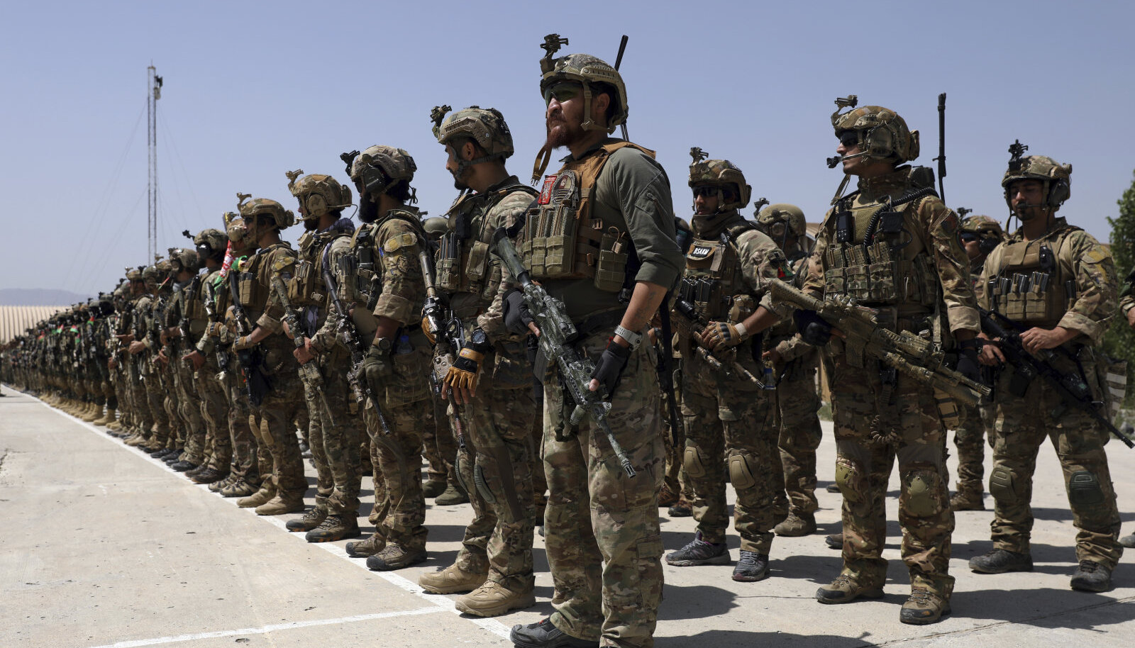 Värskelt väljaõppe läbinud eriüksuslased tänavu 17. juulil Kabulis