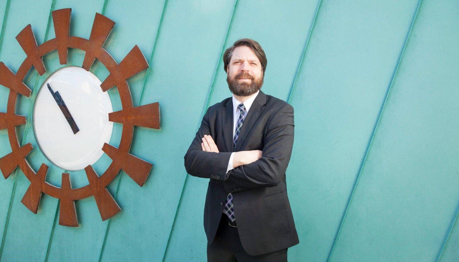 TTÜ Ragnar Nurkse instituudi e-valitsemise professor Robert Krimmer sai viis päeva enne ülikooli rektorivalimisi soodustuskelmuse kriminaalasjas kahtlustuse.