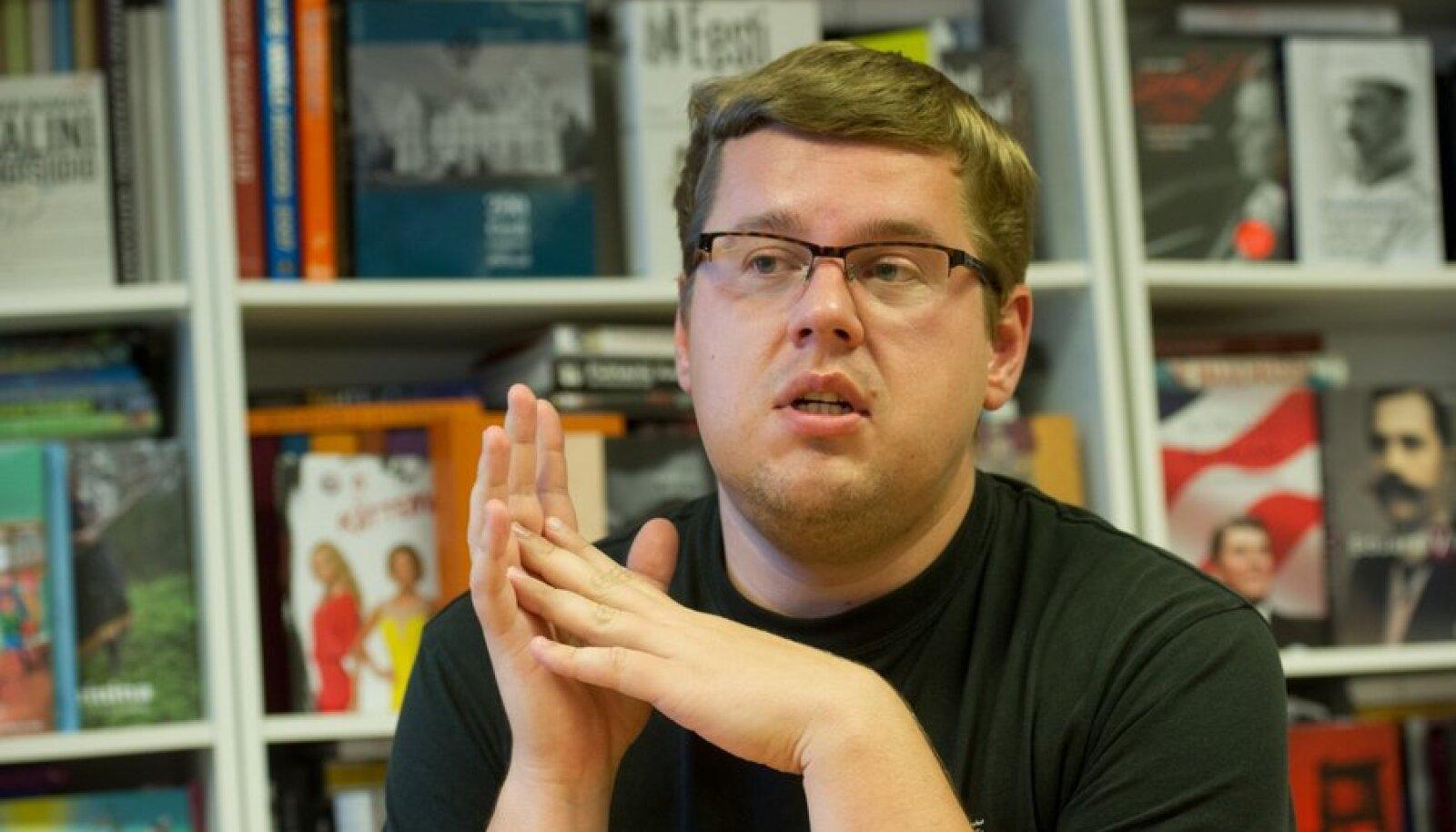 """Kirjastaja Tauno Vahter: """"Mida me oma romaanivõistluselt ootame, on see, et tuleks meie ajastut kirjeldav tõeliselt suur romaan. Seda praegu ei ole."""""""