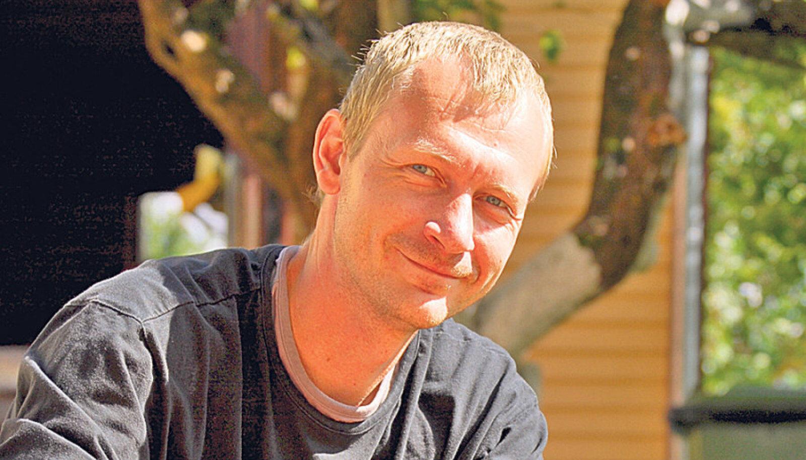 Stanislav  Burlakovil  on põhjust  rahul olla:  mullune sibula- saak oli Peipsi veeres hea,  tänavune  veelgi parem.