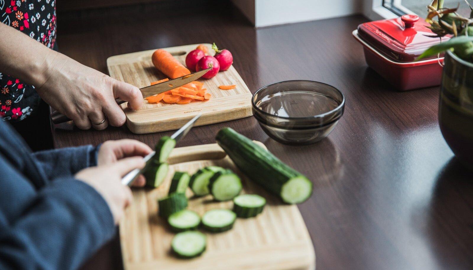 """""""Talust taldrikule"""" eesmärk muuta keskkonna- ja tarbijasõbralikuks kogu toidutootmise ahel, alates põllust ja lõpetades majataguse prügikastiga."""