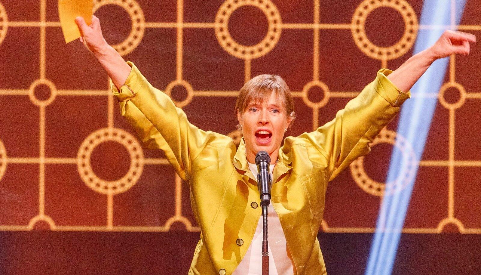 """""""I LOVE YOU ALL!"""" hüüdis viimaseid nädalaid ametis olev president Kersti Kaljulaid oma kõne alustuseks."""