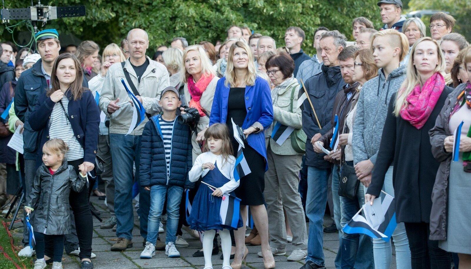 Pidulik lipuheiskamise tseremoonia Toompeal