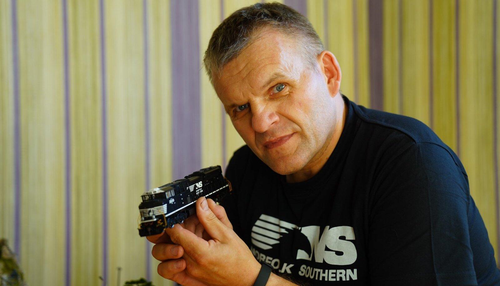 UHKE MUDELIKOGUJA: Ivari Ojaperv on vedureid kollektsioneerinud ligi 20 aastat.