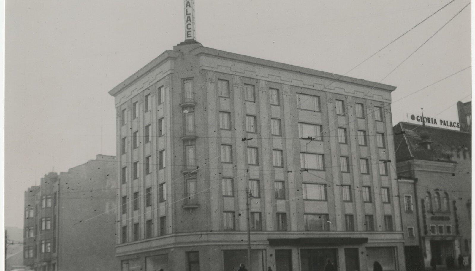 Palace oli Tallinnas esimene hoone, mis oli kohe hotelliks ehitatud.