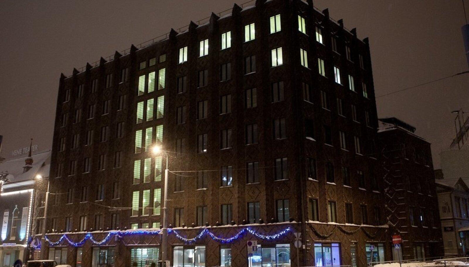Linnavalitsuse hoone talvel