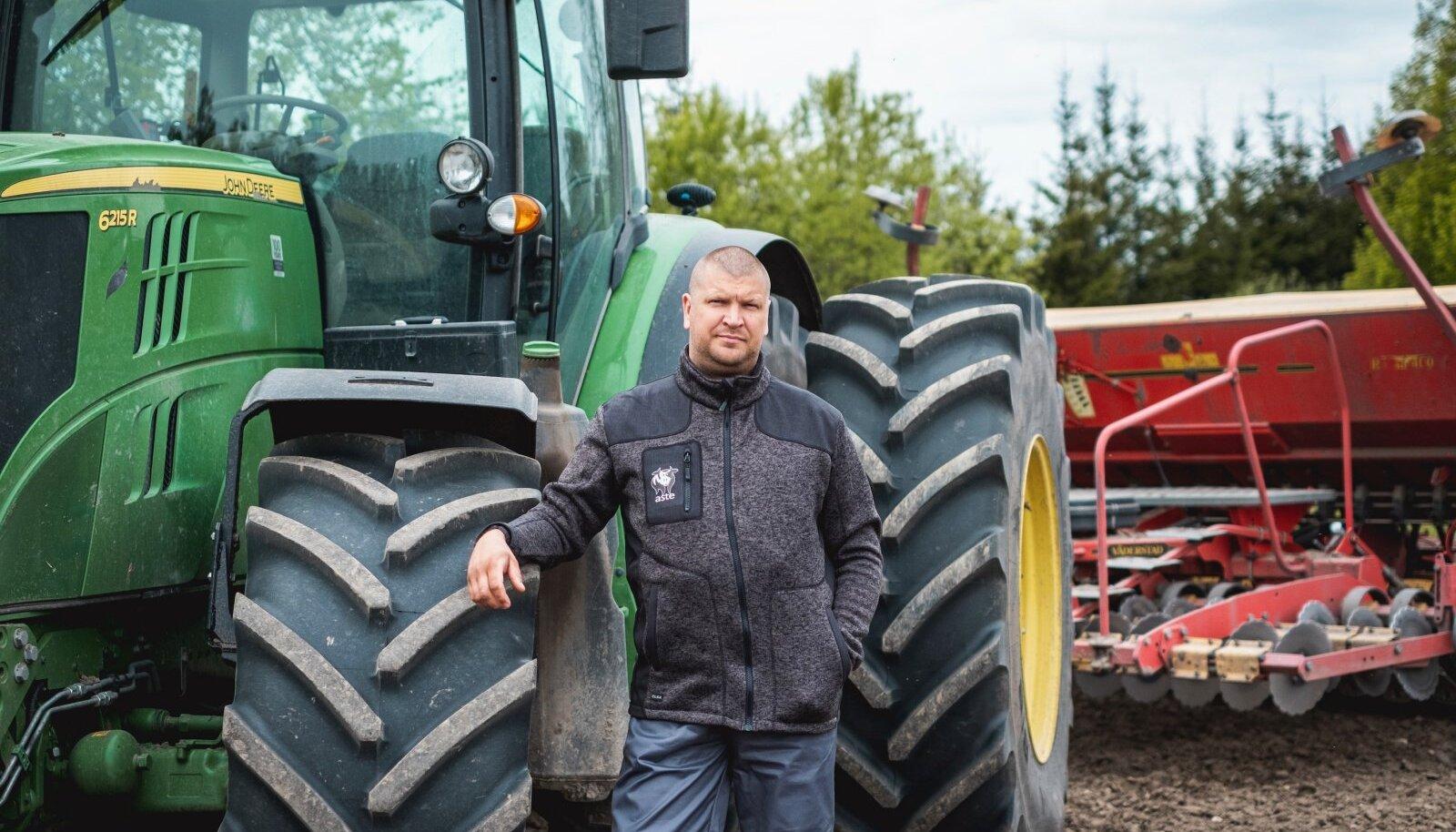 Kolme lapse isa, asendustaluniku tööd tegeva Kalmer Galka jaoks on Eestis töötamise suur eelis see, et saab paari tunniga oma pere juurde koju sõita.