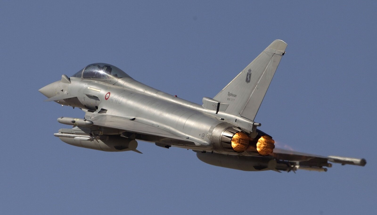 Hävitaja Eurofighter Typhoon 2000