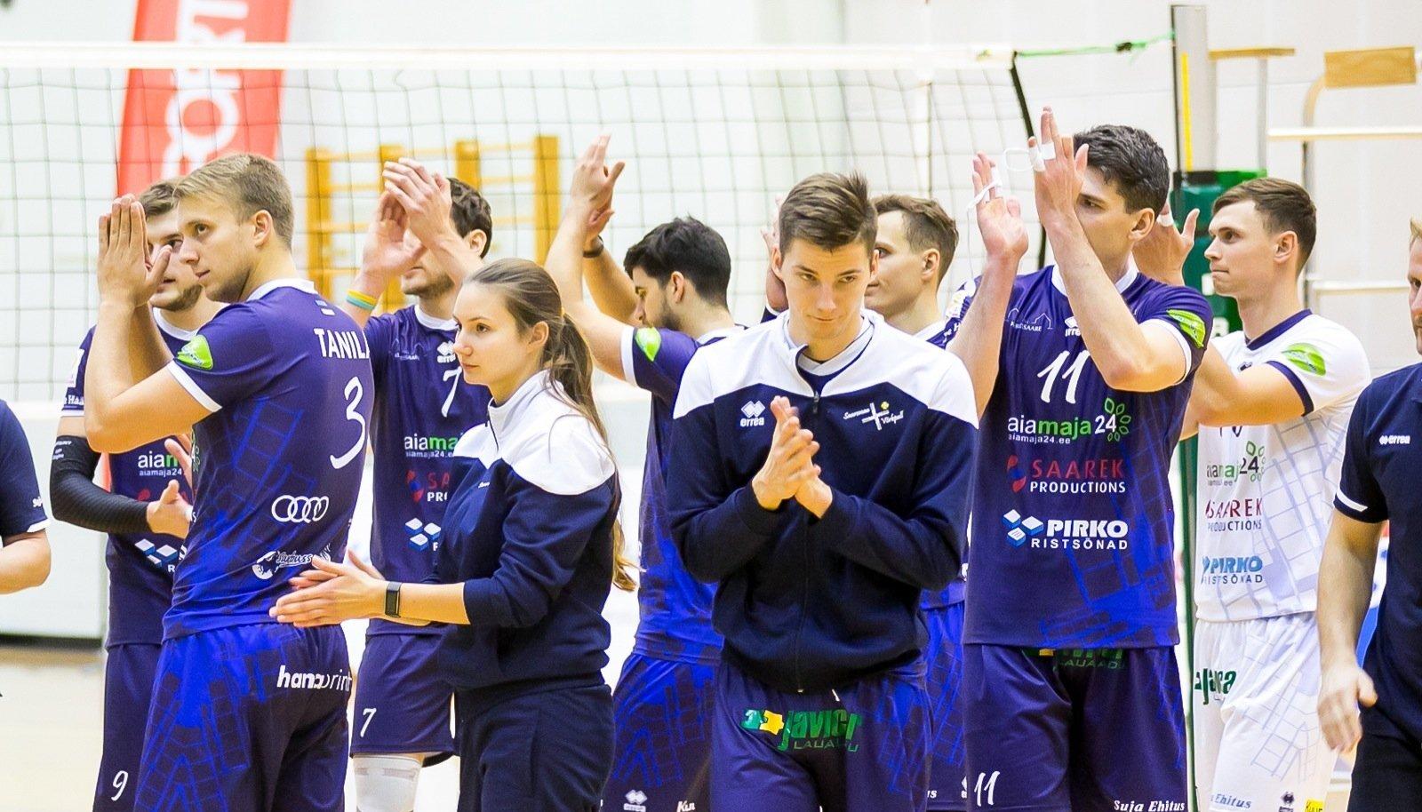 """Eesti meeste võrkpallikarikavõistluste esimeses veerandfinaalkohtumises võitis Saaremaa VK koduväljakul Selver Tallinna 3:0.""""See oli emotsionaalselt oluline mäng ja seepärast tähtis võit,"""" tunnistas peatreener Urmas Tali. """"Ükstapuha kummale poole see mäng oleks läinud sai parem enesekindluse. On tähtis, et ka ühtegi geimi minema ei läinud."""" /Saaremaasport/"""
