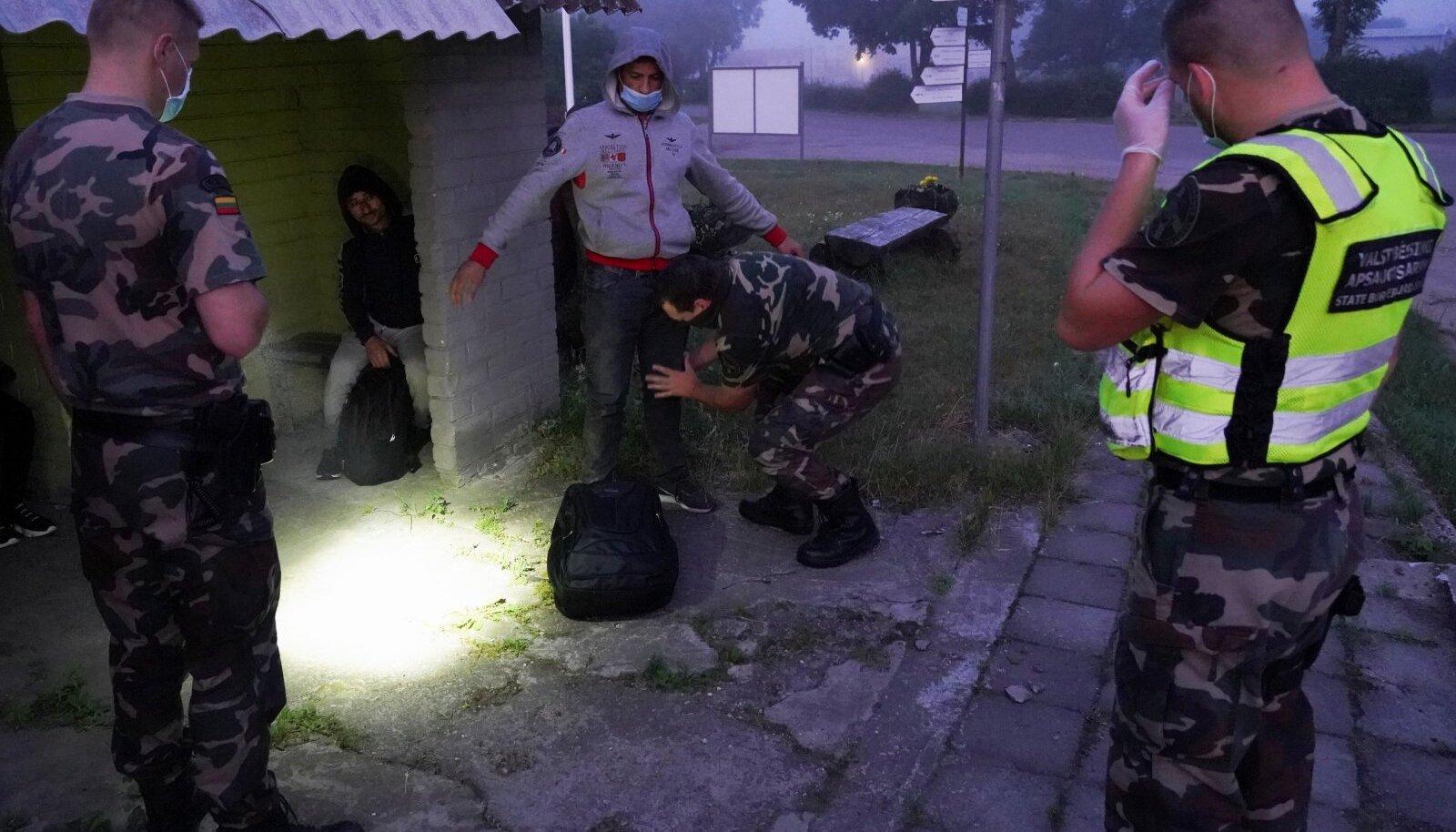 Leedu piiril on tabatud järjekordne grupp illegaale.