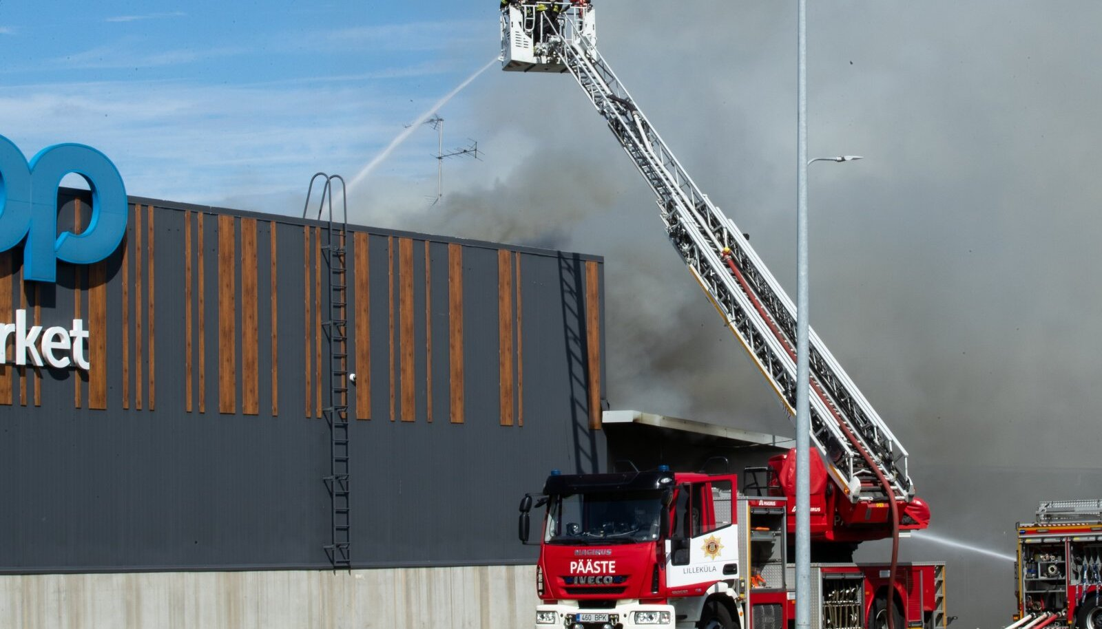 Tallinn, 02.08.2020. Vesse kaubanduskeskuse põleng.
