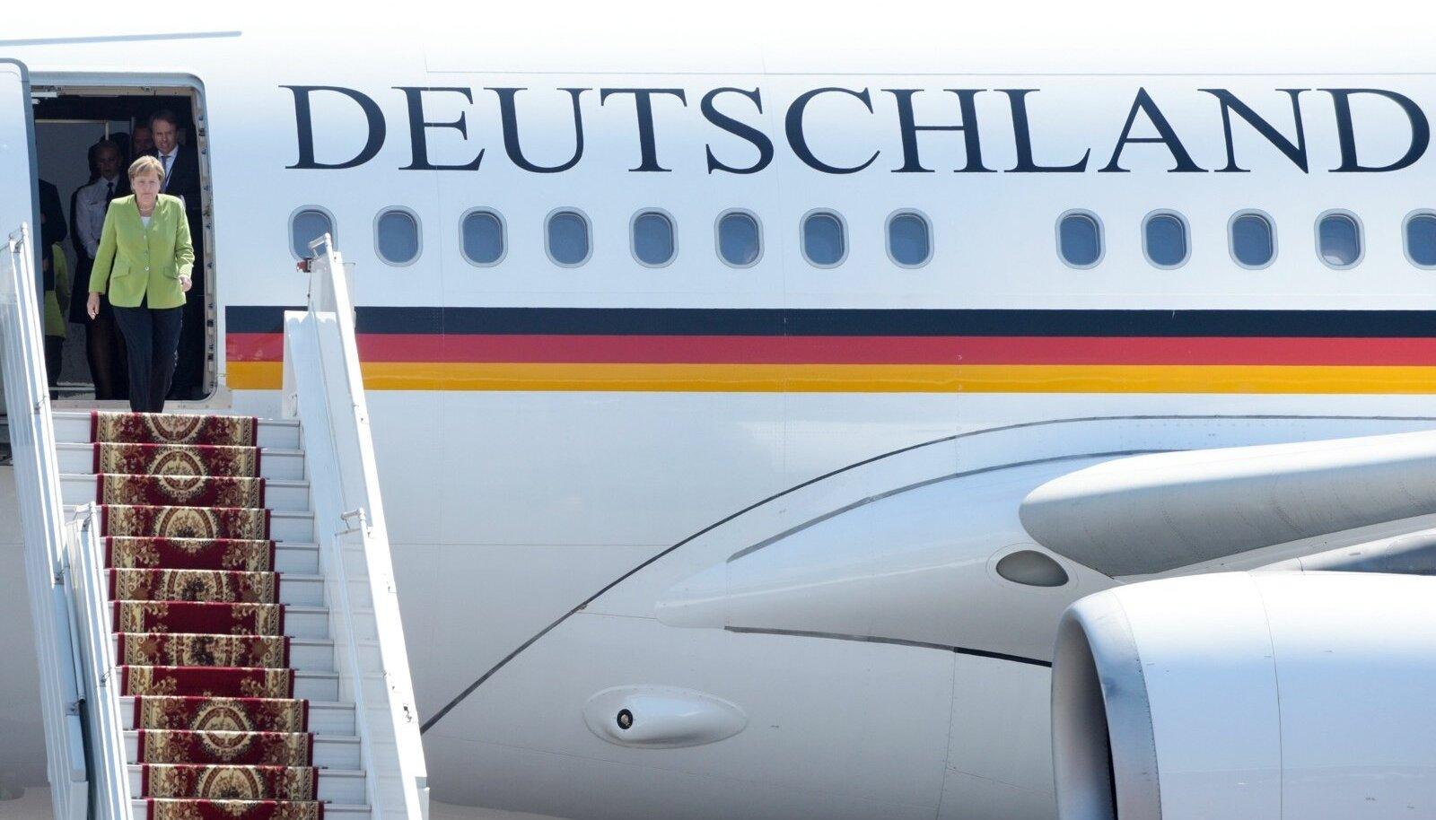 Merkel ja Saksa kaitseminister ei mahtunud ühte lennukisse