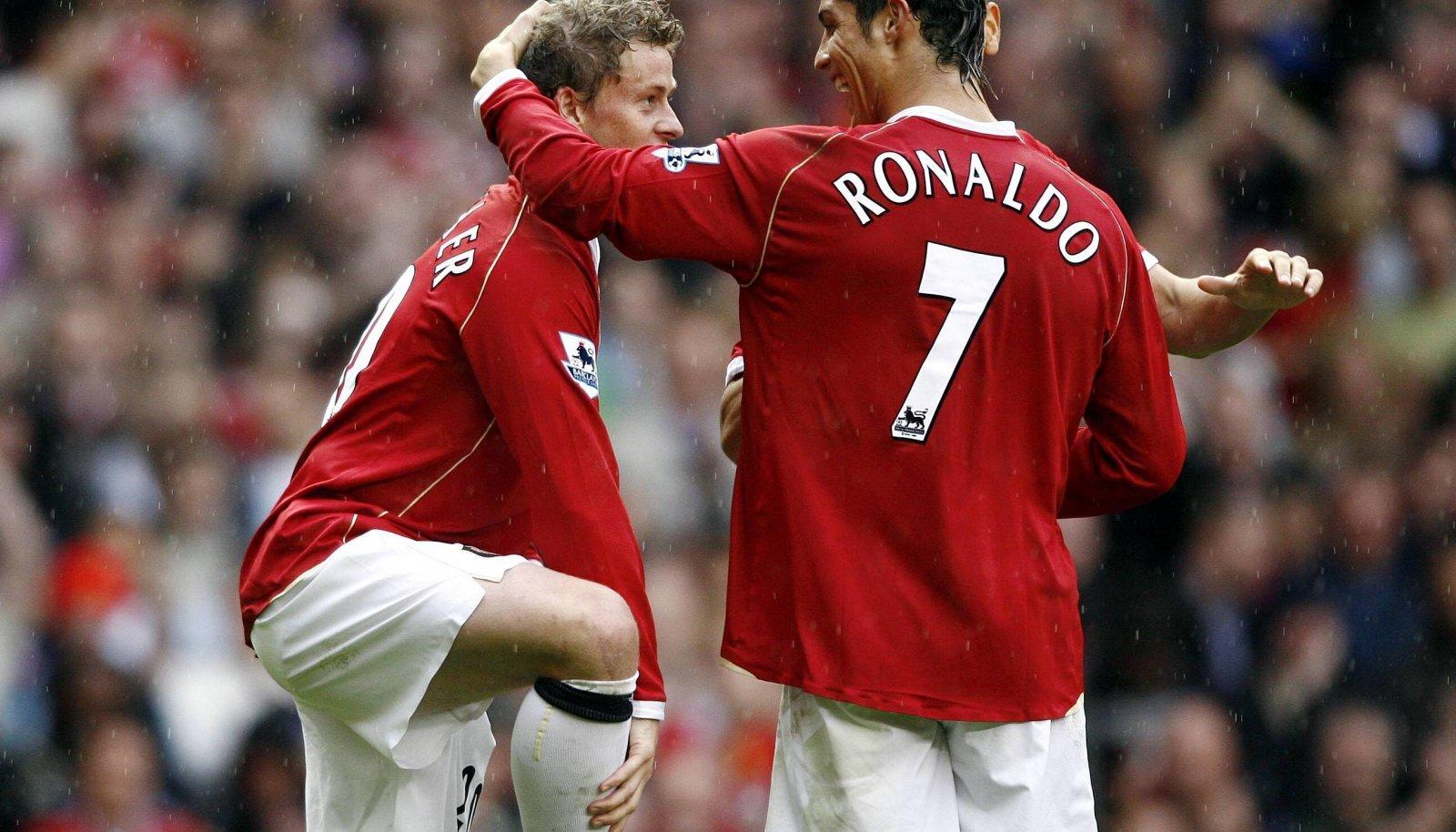 Unitedi praegune peatreener Ole Gunnar Solskjaer ja Cristiano Ronaldo aastal 2006.