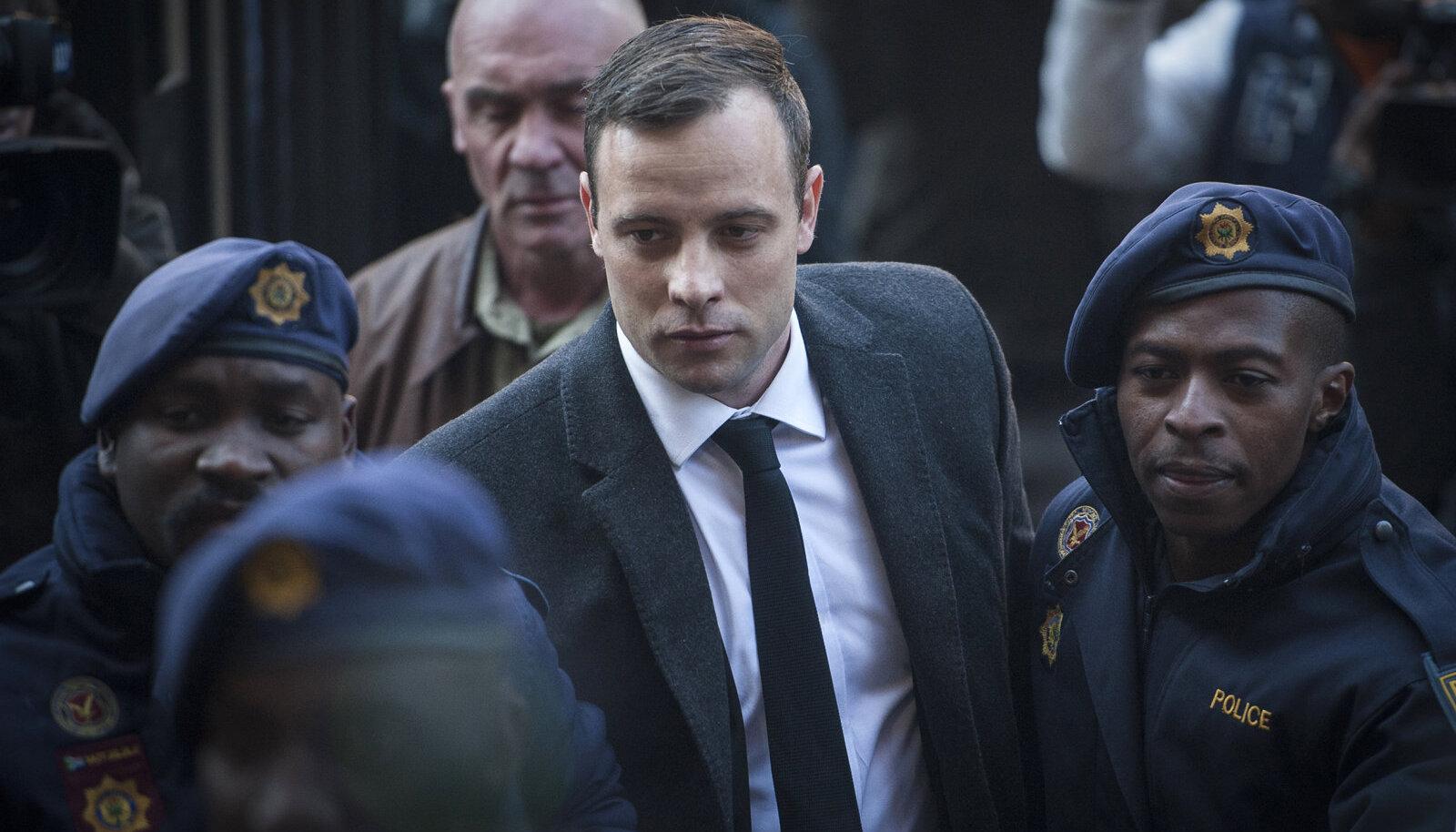Pistorius saabub kohtusse