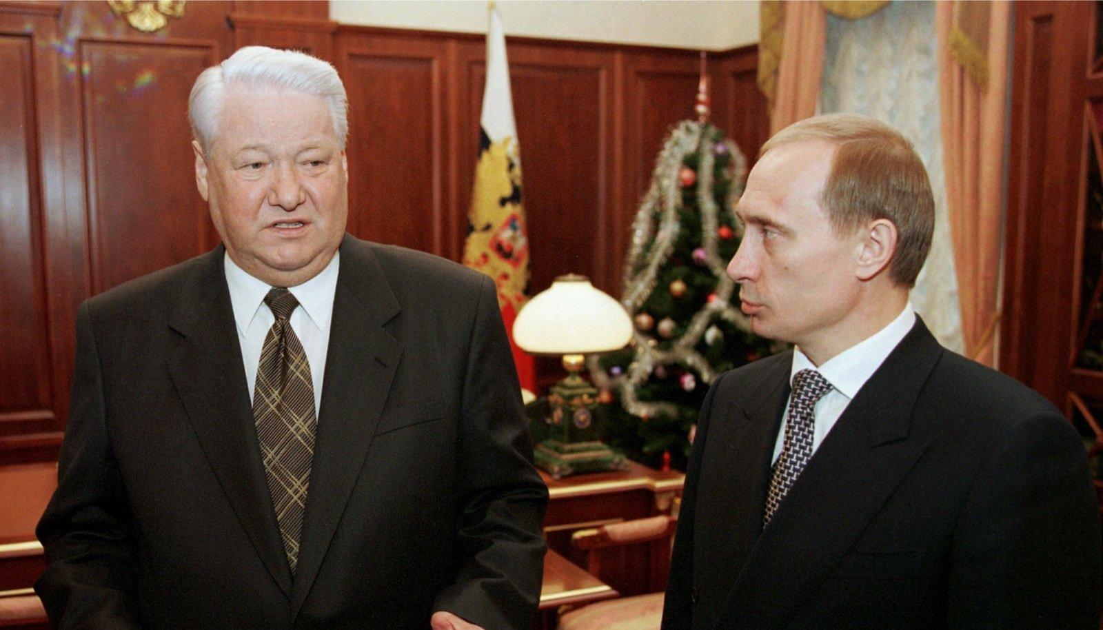 Boriss Jeltsin ja Vladimir Putin 1999. aasta viimasel päeval enne lõplikku võimuvahetust.