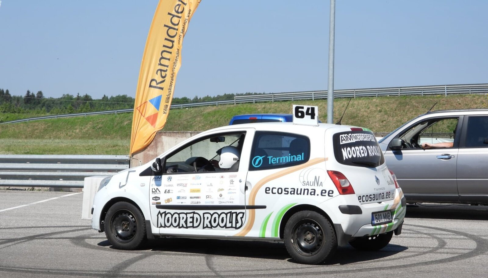 Noored Roolis – A1M Motorsport sari.