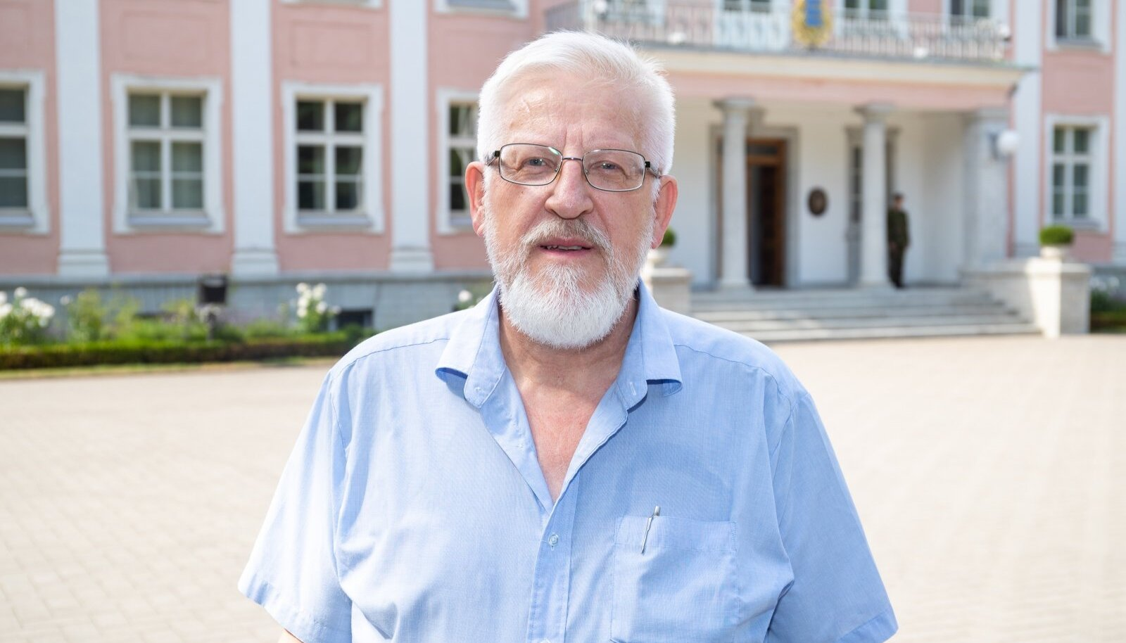 3 Šanss vahetada oma teaduste akadeemia presidendi kabinet Toompeal kabineti vastu Kadriorus tekkis Tarmo Soomerel juuli lõpupäevil.
