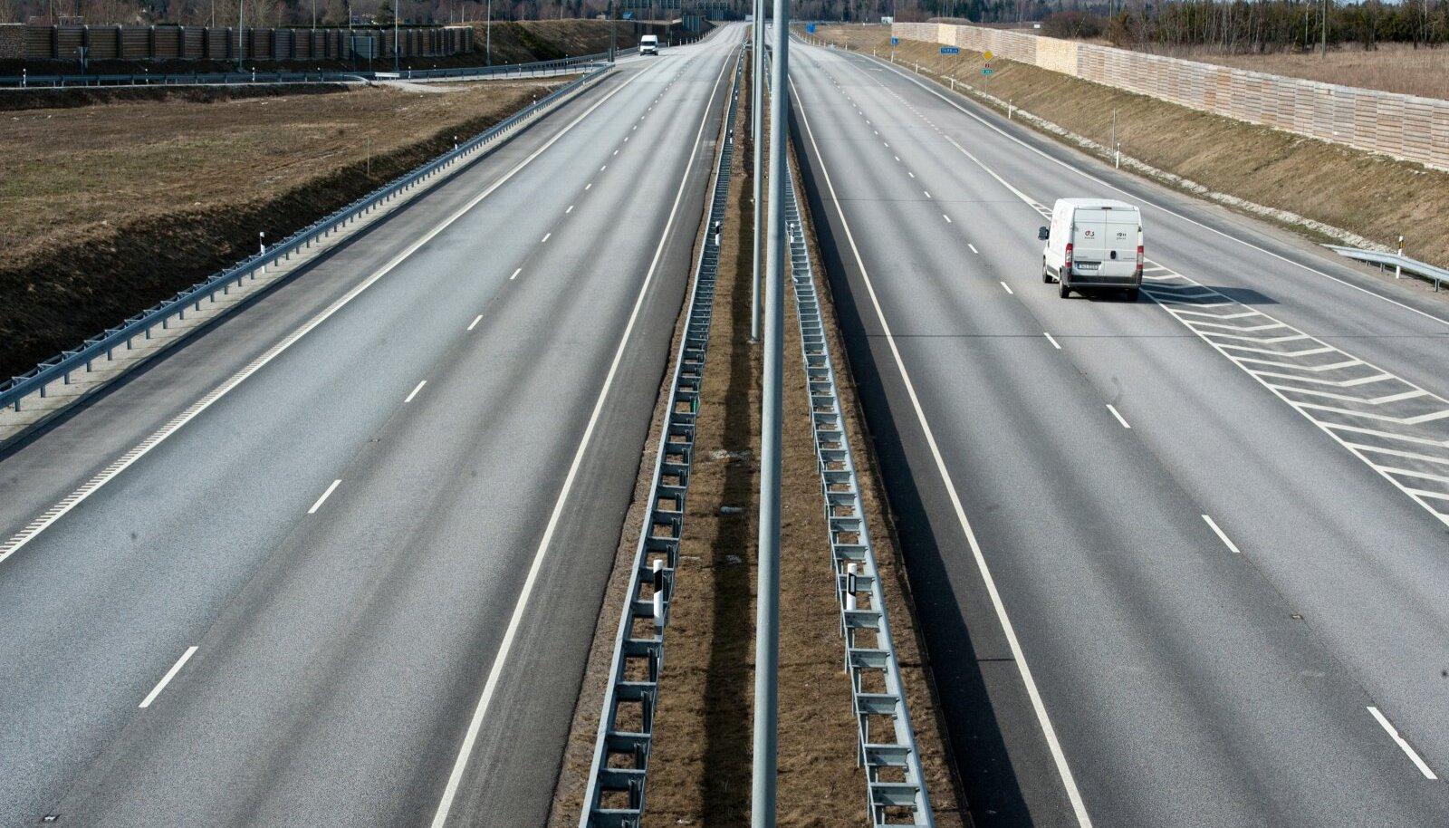Pärast uue 2 + 2 lõigu valmimist on kunagine Mäo liiklussõlm jäänud täiesti kõrvaliseks kohaks, kuhu satub vähe inimesi.
