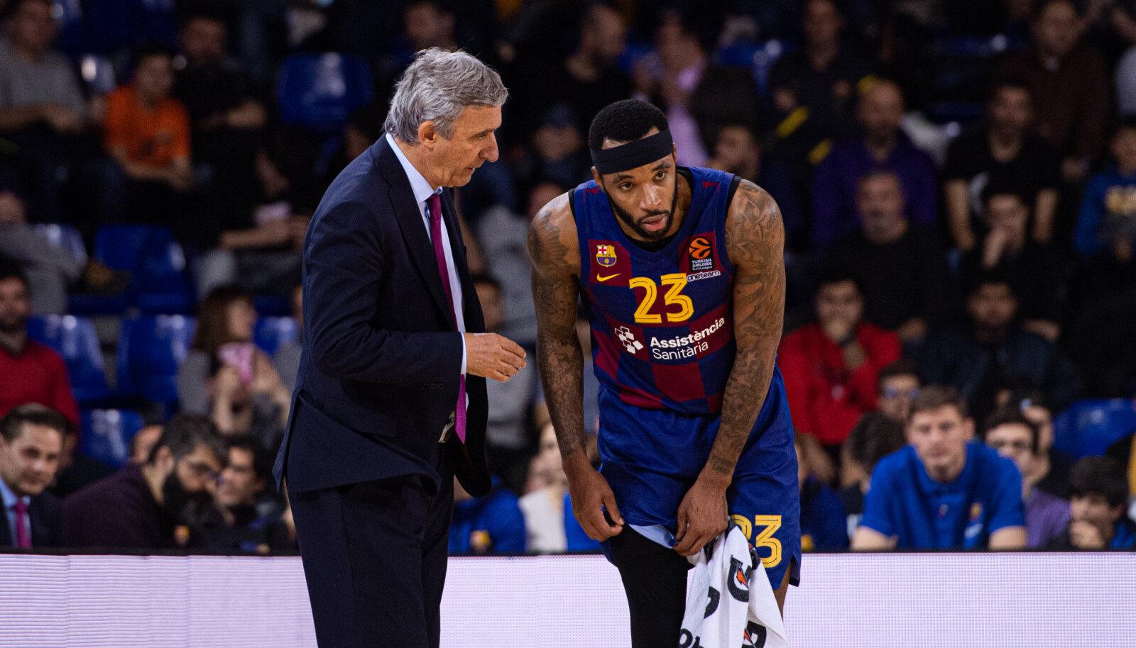 Malcolm Delaney koos Barcelona peatreeneri Svetislav Pesiciga.