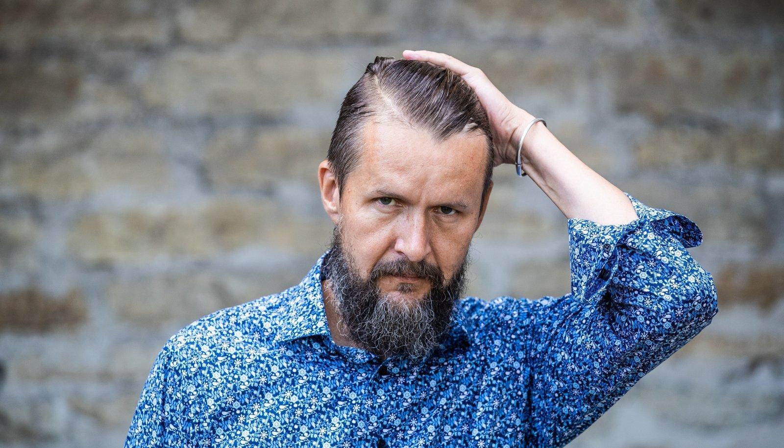 Soome suursaadikuks siirduva Sven Sakkovi sõnul on kahe hõimurahva side nii tugev, et seda ei väära ükski Eesti poliitiku sõnavõtt.