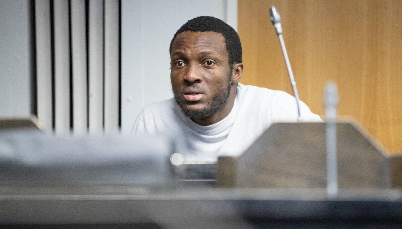 Kahest Nigeeria päritolu mehest sai karmima karistuse Sesan Idowu Adesanya, kes peab ka tegelikult trellide taga aega veetma.