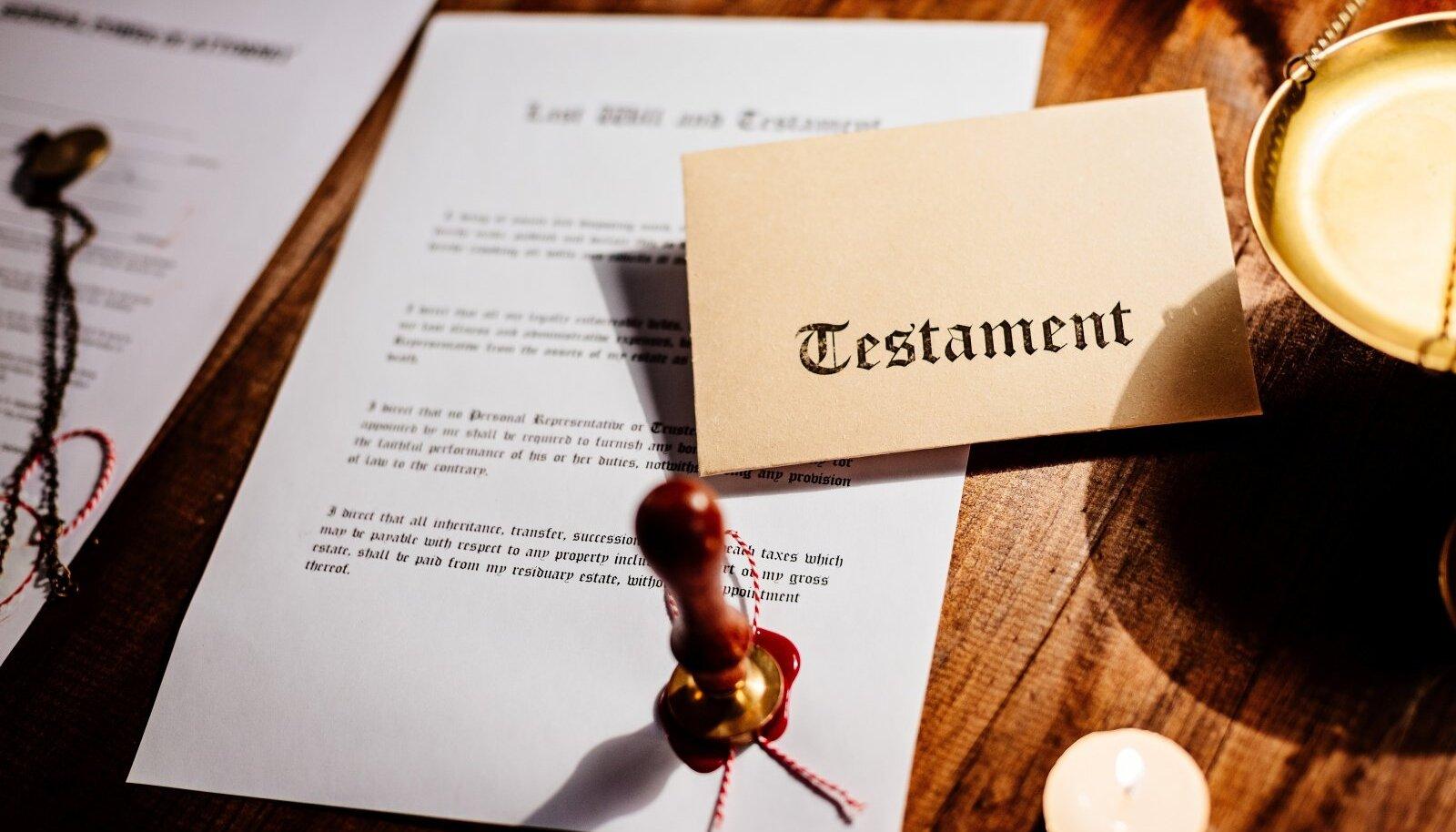 Testament on olemuslikult väga sarnane kinkelepinguga – inimene saab otsustada, kellele ja millistel tingimustel ta oma vara jätab.