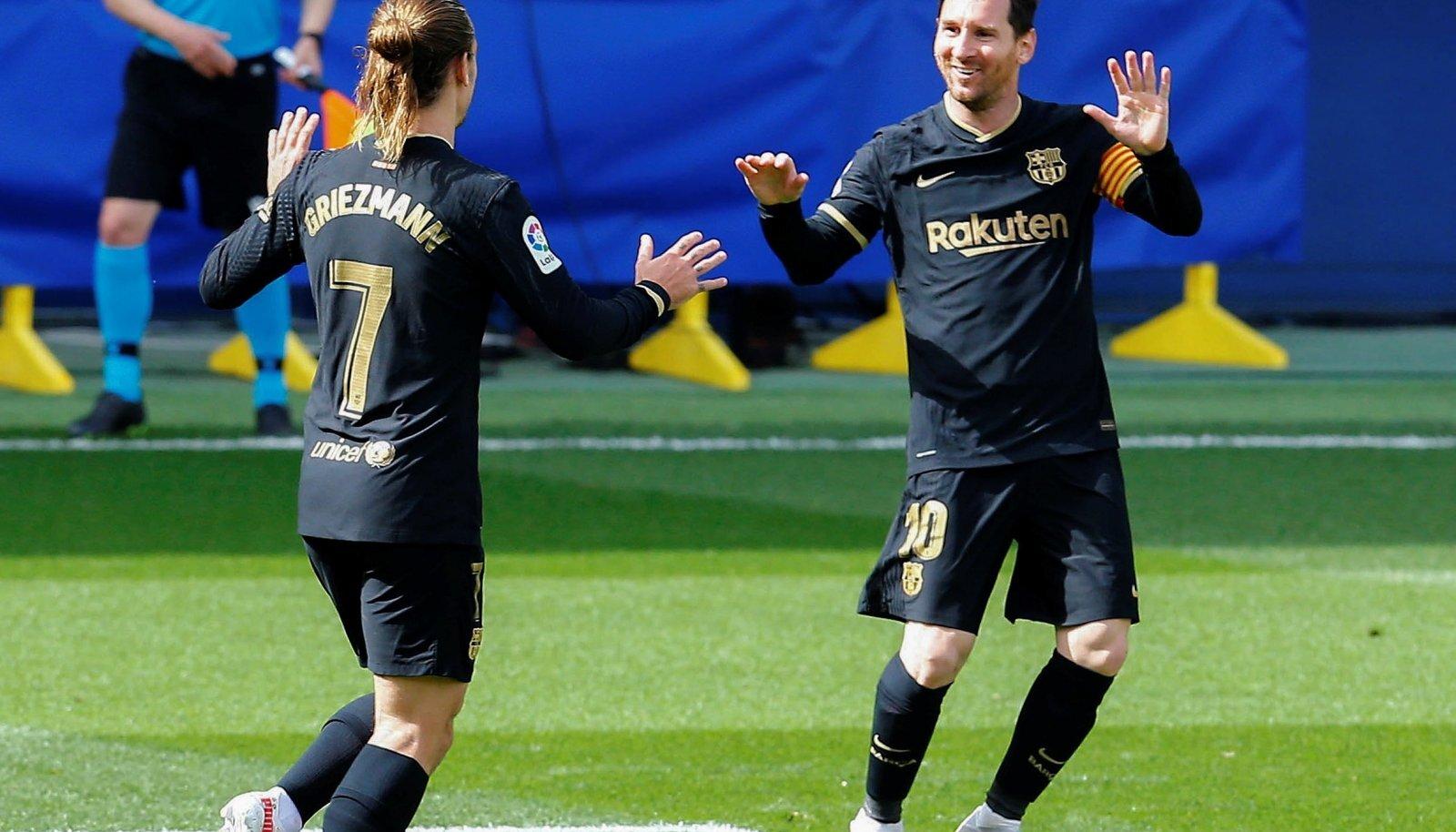 Antoine Griezmann (vasakul) ja Lionel Messi väravat tähistamas.