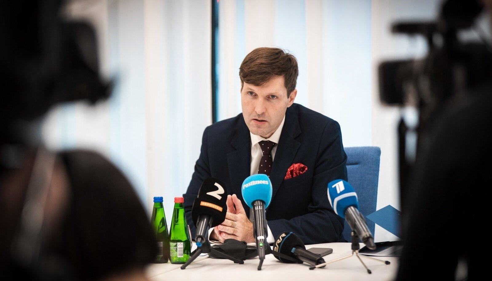 Martin Helme kutsus oktoobris pärast USA-s käiku kokku pressikonverentsi, kus rääkis, kuidas Eesti riik võiks Danske hiigeltrahvidest oma osa saada.