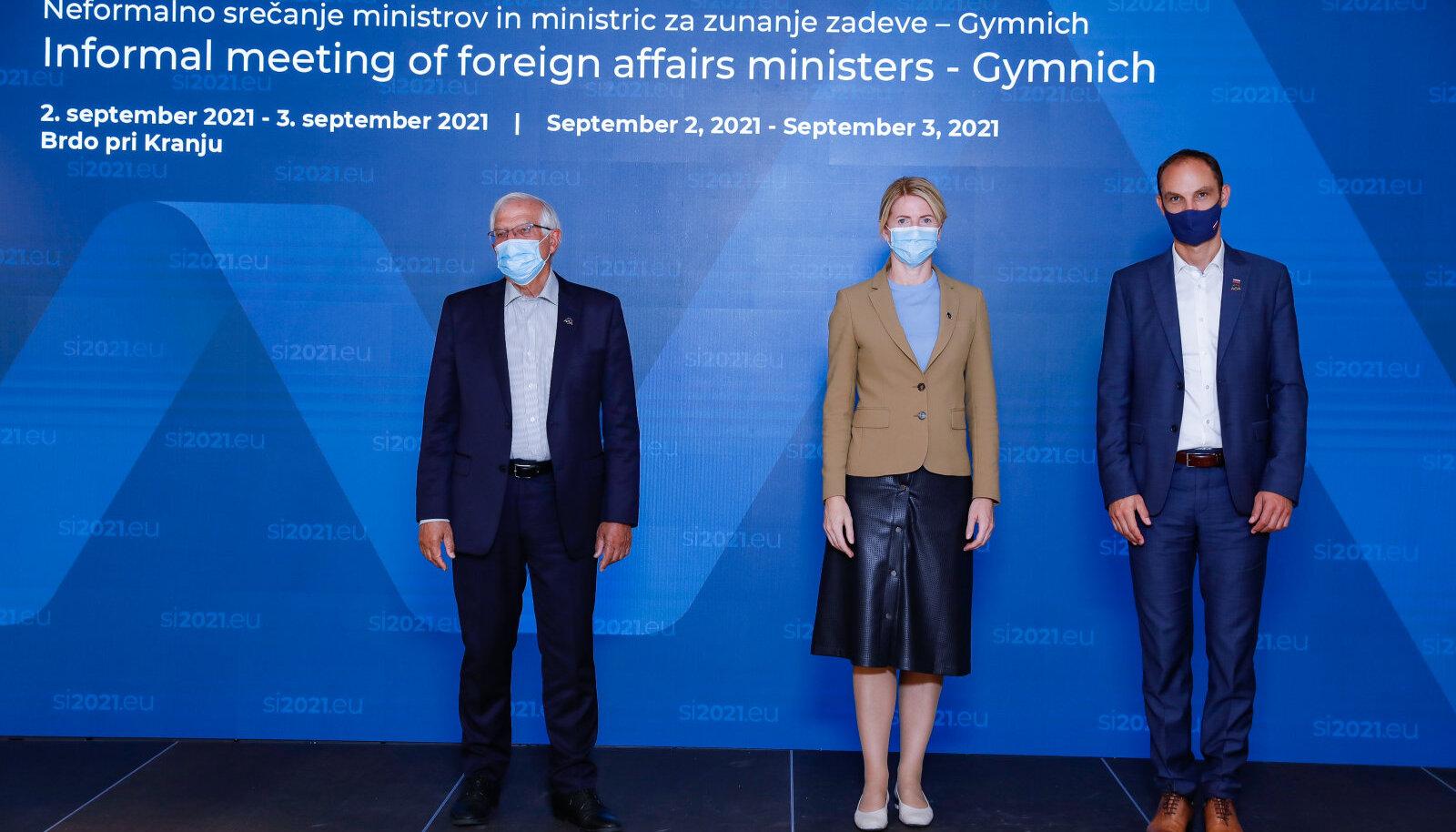 Tänasel mitteametlikul EL-i riikide välisministrite kohtumisel lepiti kokku Talibaniga suhtlemise plaanis. Vasakul Josep Borrell (EL-i välisasjade kõrge esindaja), keskel Eva-Maria Liimets (Eesti välisminister), paremal Anže Logar (Sloveenia välisminister).