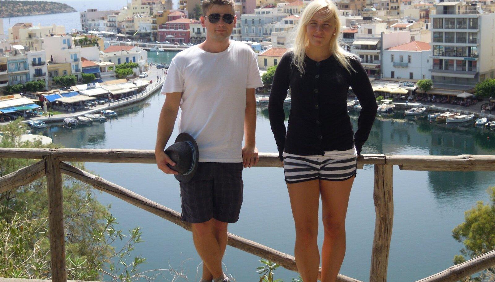 Ärasõidueelne reis Kreetal, et külastada linnu, mis õpingute ajal külastamata jäid. Pildil hea sõbraga Agios Nikolaoses, mis on Signe üks lemmiklinn Kreetal