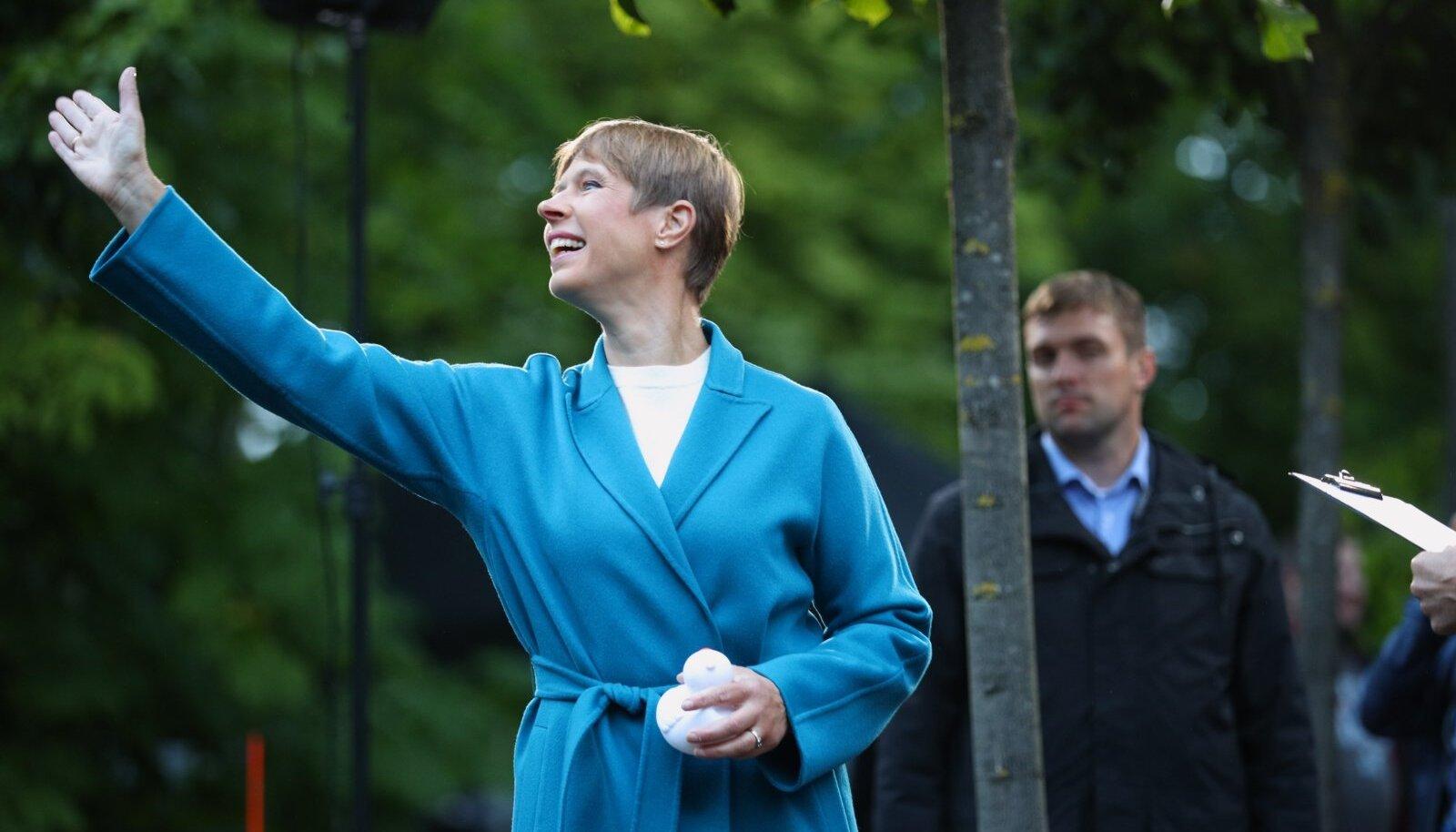 MIS SAAB PRESIDENDIST? Kersti Kaljulaidi teine ametiaeg on suure kahtluse all. Samuti taandas ta end OECD juhi konkursilt.