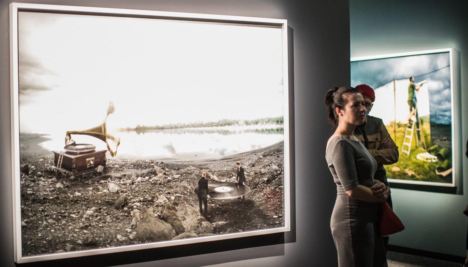 """Erik Johanssoni näitus """"Ääretagused paigad"""" Fotografiskas"""