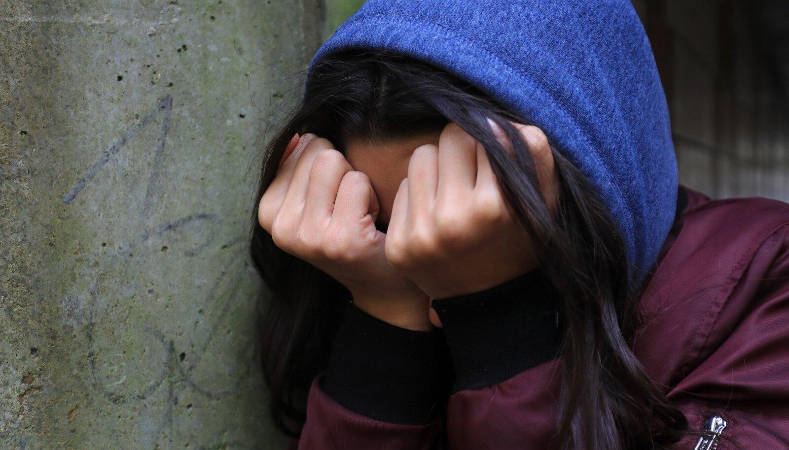 Üks pandeemiaaegseid riskigruppe on noored, keda rõhub sotsiaalse elu vähenemine ja koolipsühholoogide toeta jäämine.
