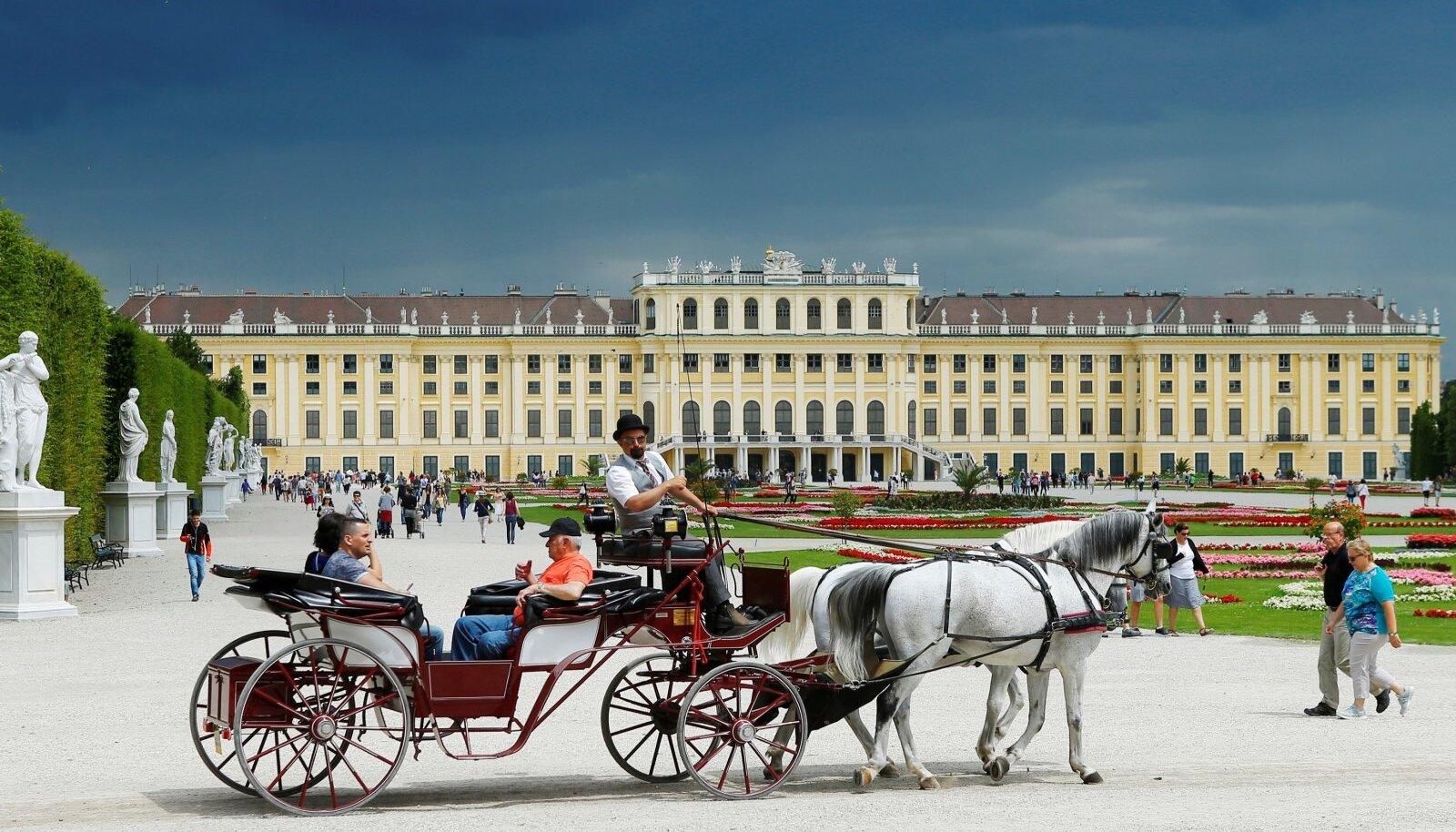 Üks Viini sümboleid, kuulus Schönbrunni loss