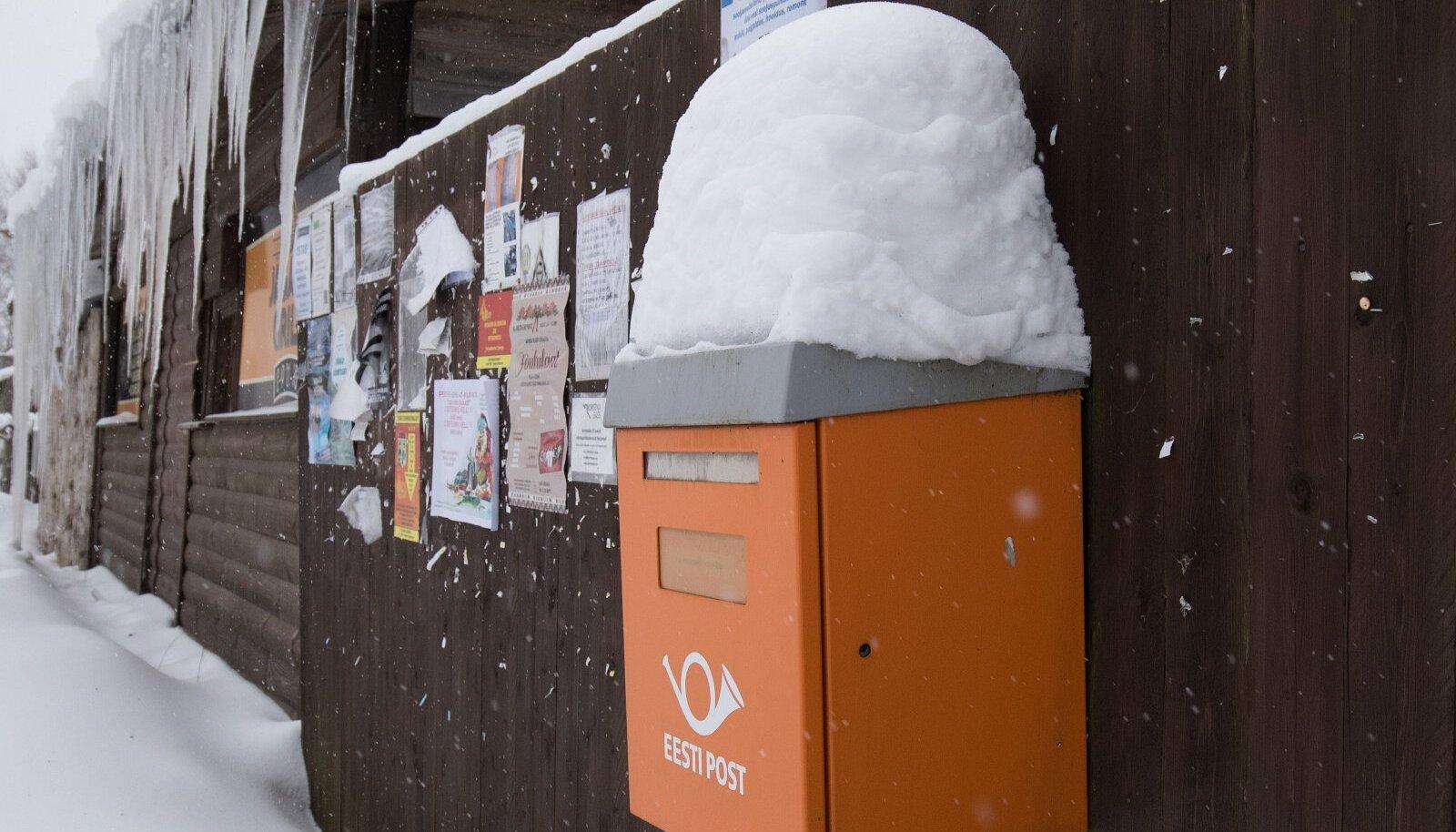 Eesti Post,Omniva,jääpurikad,postkast, postkastid, kuulutused