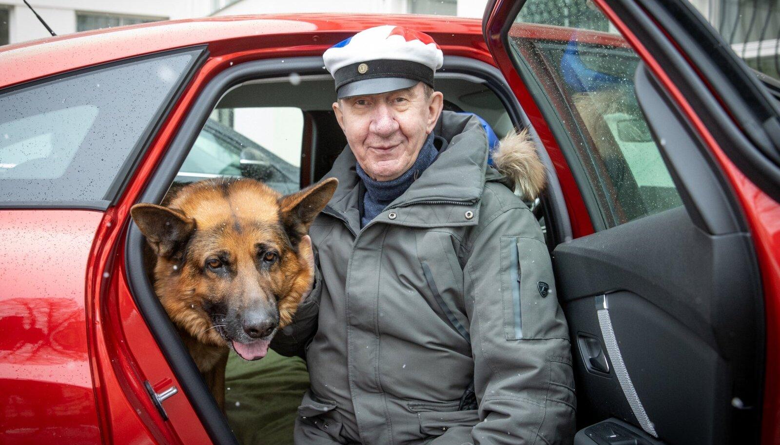 Lauri Leesi ostis hiljuti Taavile uue auto, et oleks toredam koos linnast välja jalutama sõita. Enda pärast poleks tal tarvis autot pidada.