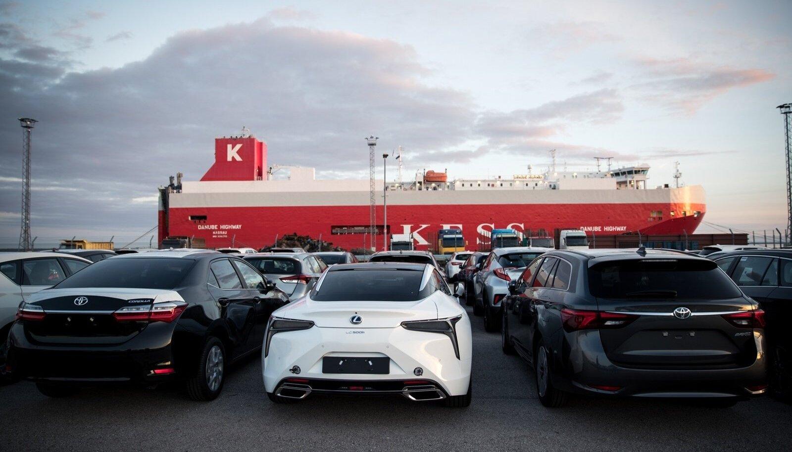 Uued autod Paldiski sadamas