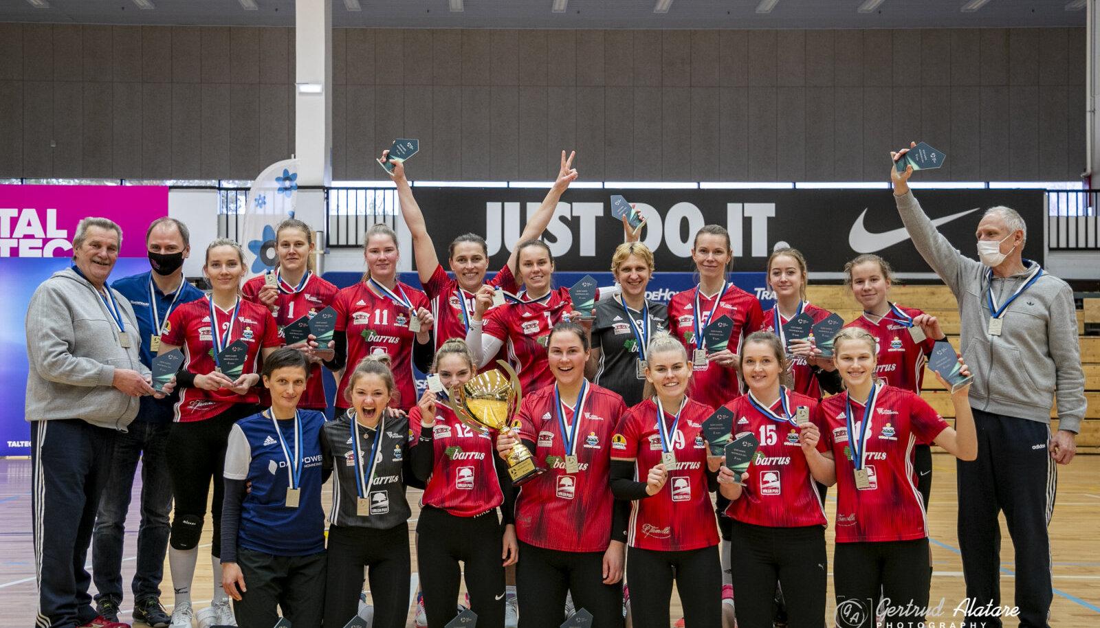 Võru Familia VK hõbedane naiskond – nende meistrivõistluste suurim võitja.