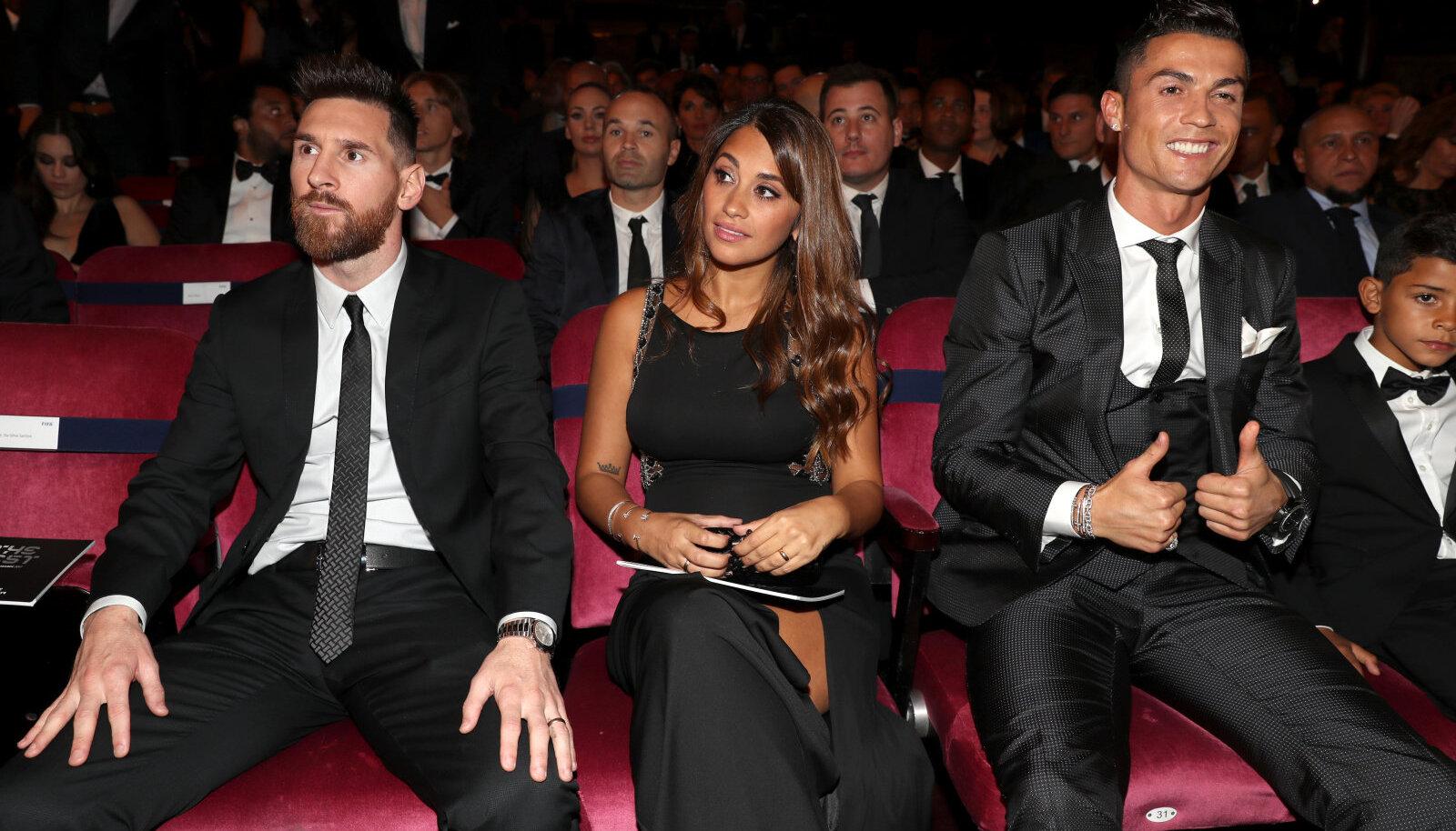 Vasakult: Lionel Messi, tema abikaasa Antonella Roccuzzo ja Cristiano Ronaldo.