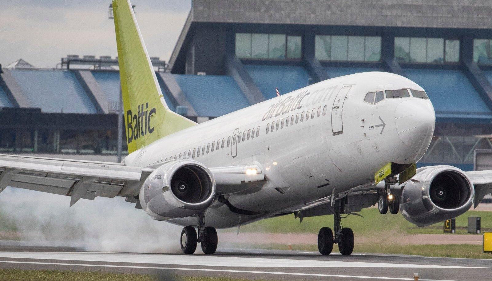 Lennuk Tallinna lennuväljal