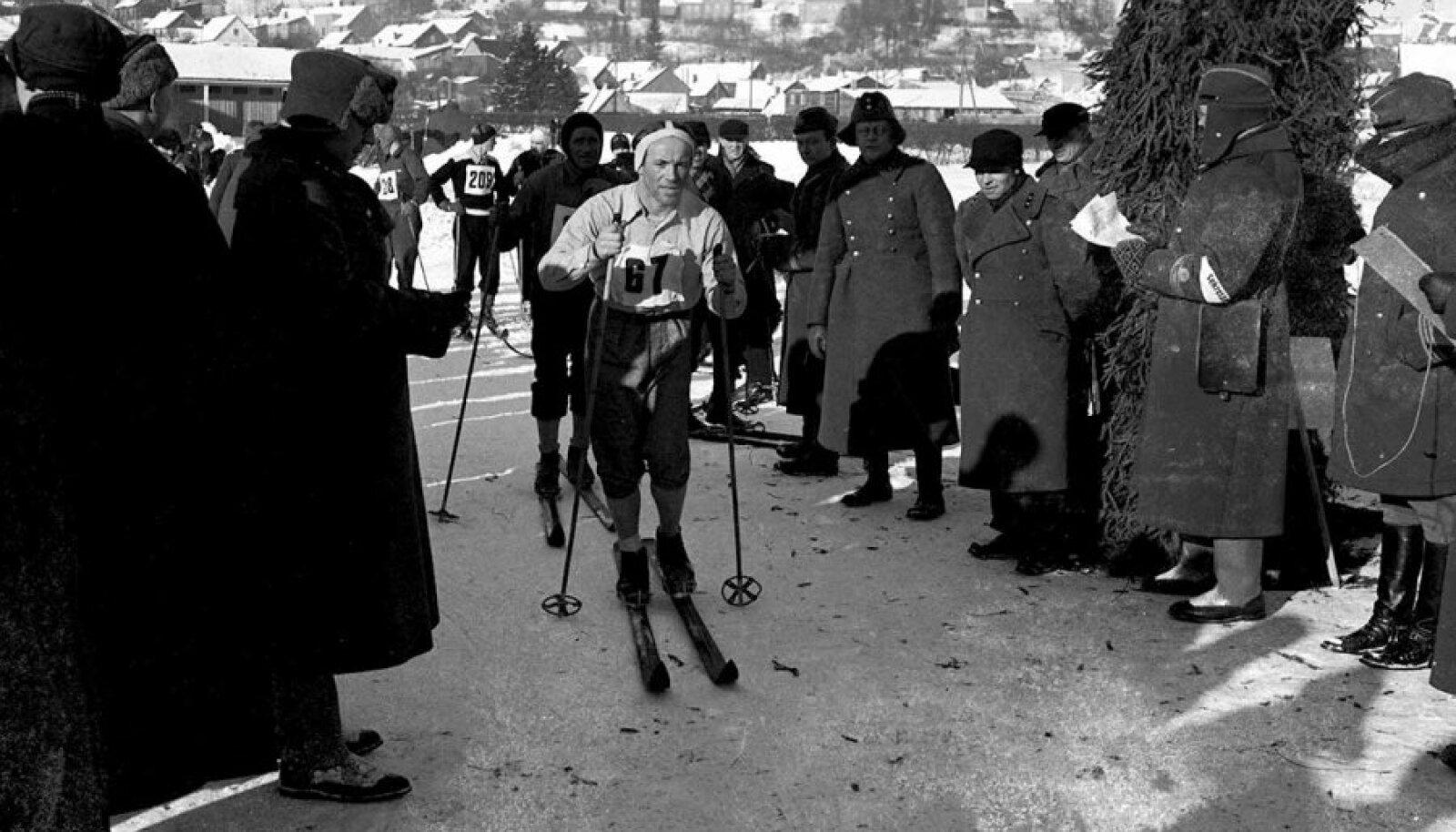 Püsis tipus aastaid: Vello Kaaristo Kaitseliidu üleriigilistel suusavõistlustel Viljandis veebruaris 1940.