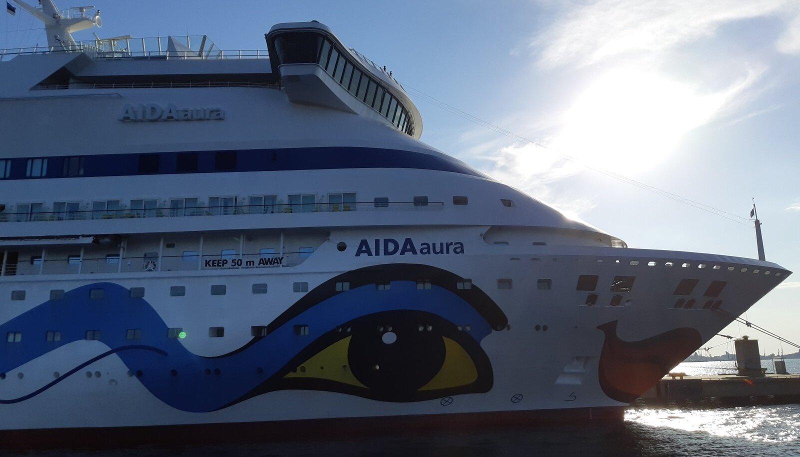 AidaAura laev vanasadamas A-terminalis kai ääres