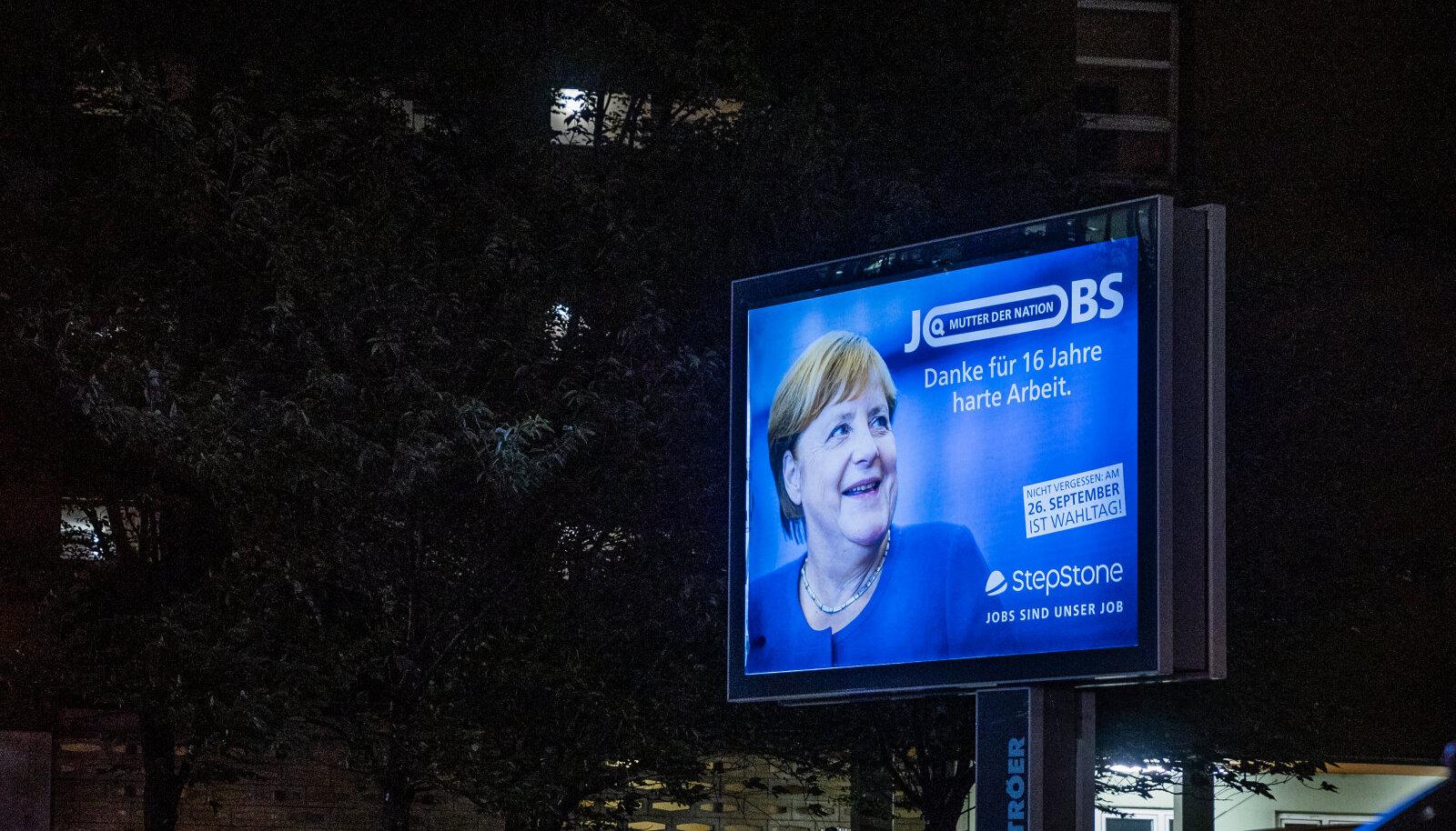 """""""Rahva ema"""" Merkel tervitab Berliini saabujaid, nüüd aga juba jumalagajätuks."""
