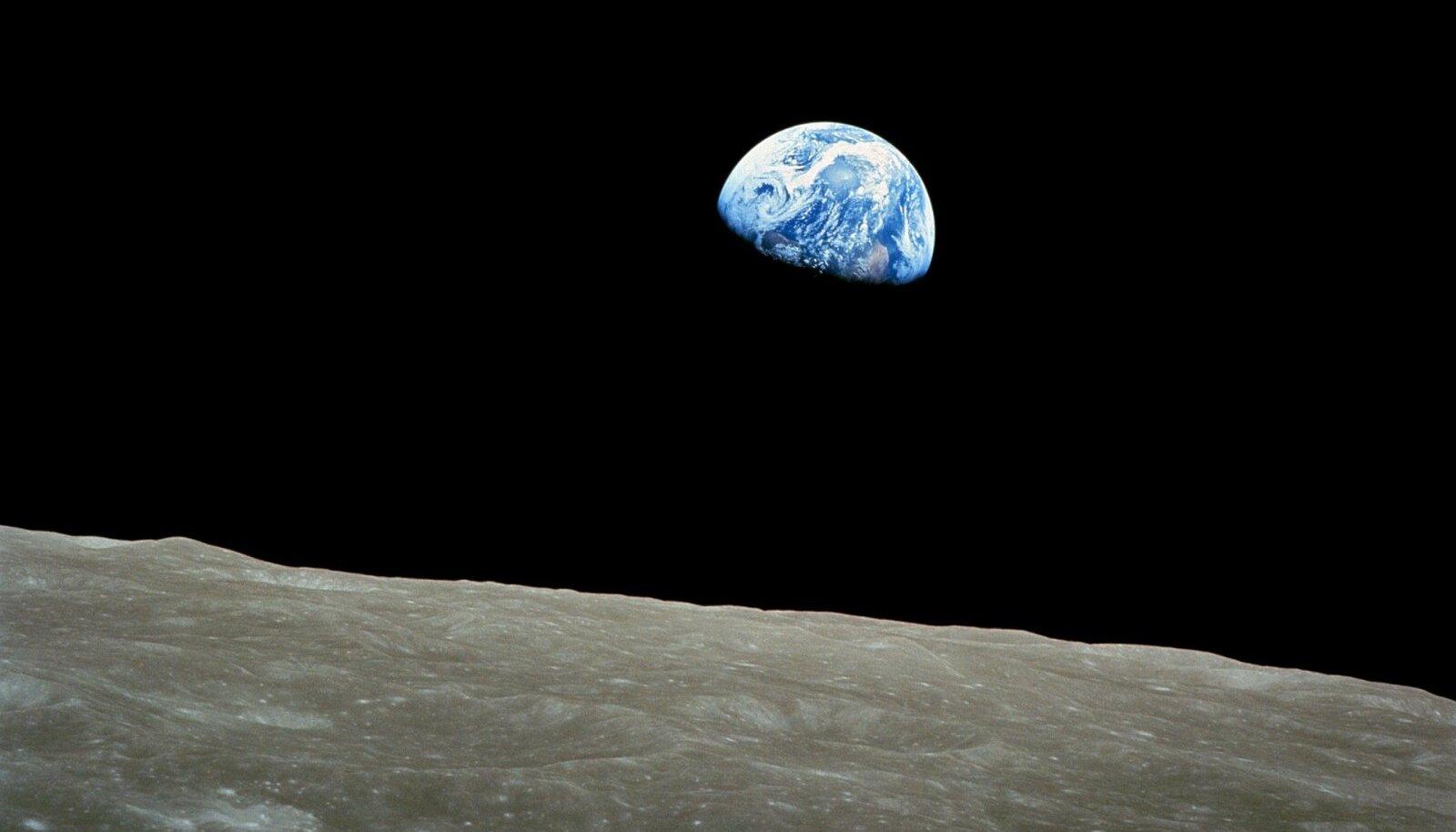 Illustratiivsel eesmärgil: Maa vaadelduna Kuu pinnalt (Foto: Pixabay / WikiImages)